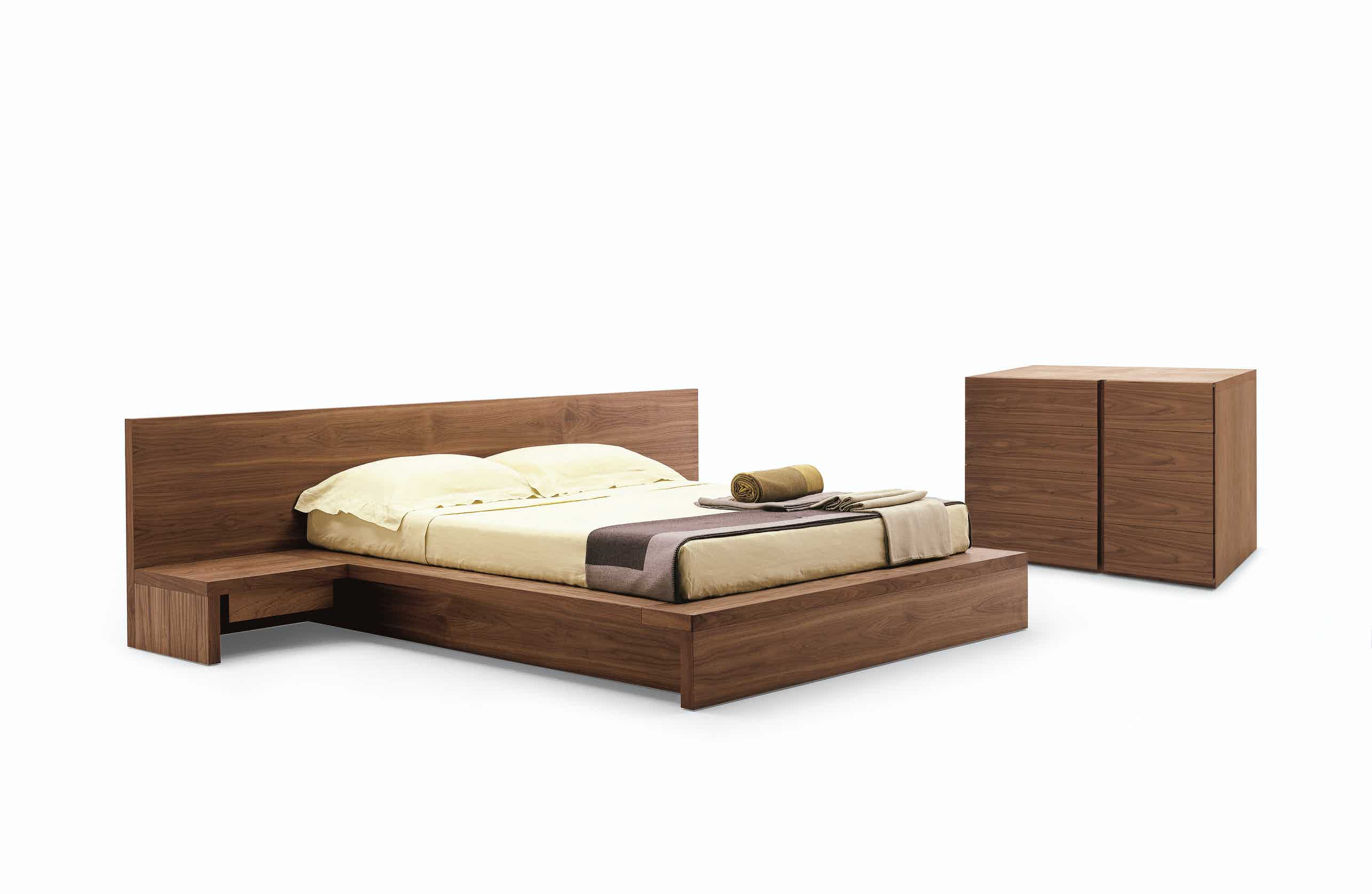 Riva 1920 Como Bed With Dresser