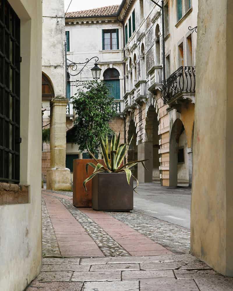 De castelli cube planter outdoor haute living