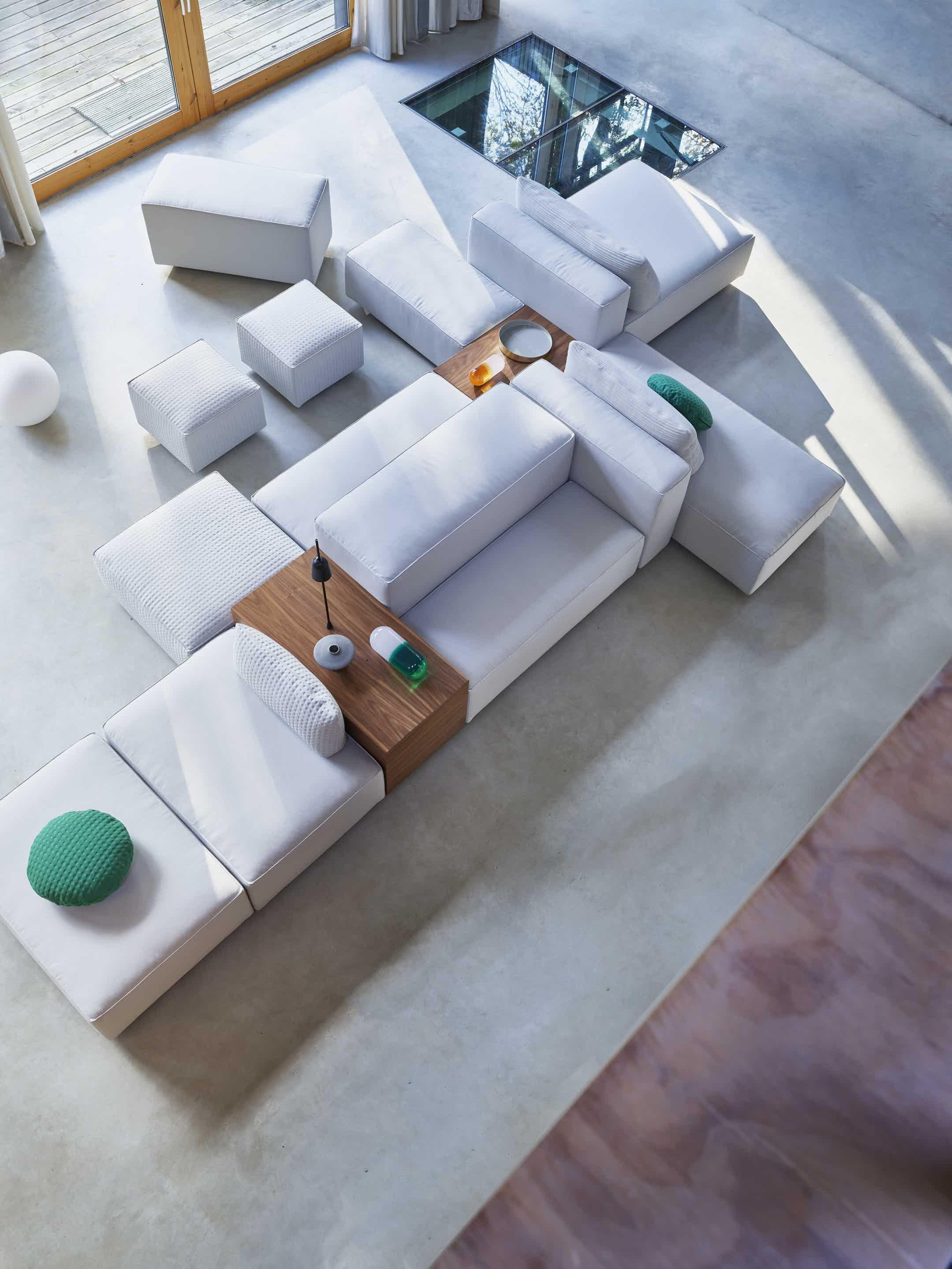 Montis domino sofa top haute living