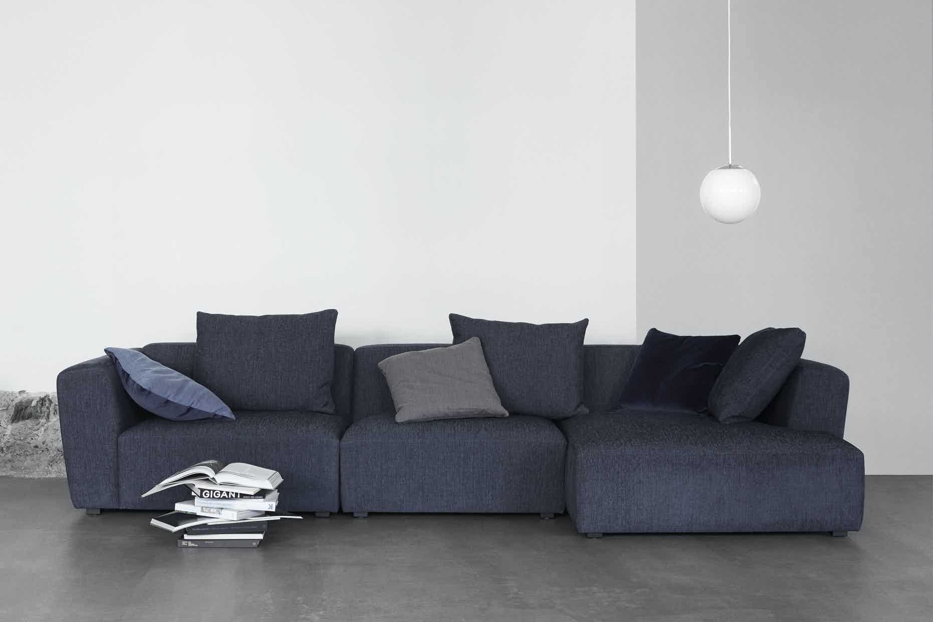 Wendelbo-front-domino-sofa-institu-haute-living
