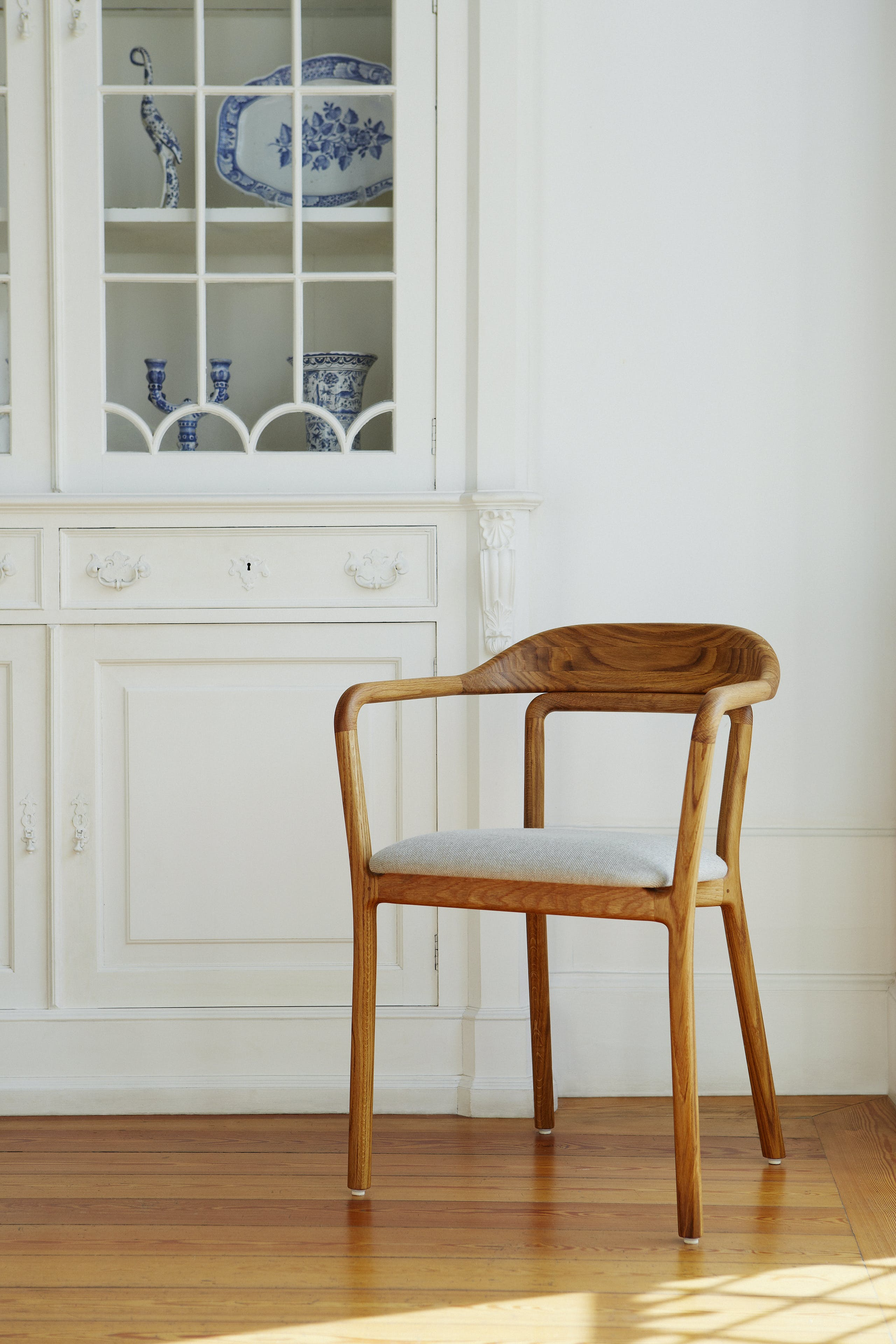 Duet Chair By Neri Hu 2 Photo By Yuki Sugiura