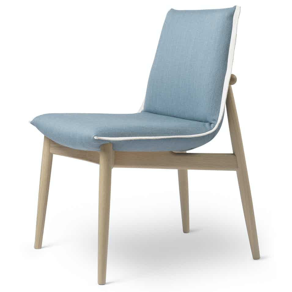Carl-hansen-and-son-e004-embrace-dining-chair-oak-blue-angle-haute-living
