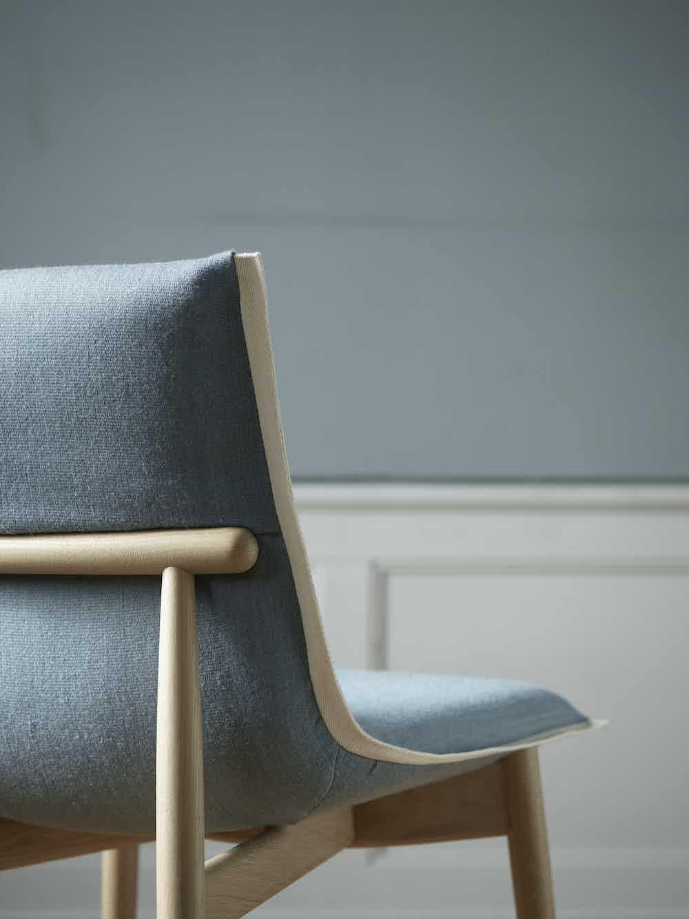 Carl-hansen-and-son-e004-embrace-dining-chair-oak-blue-detail-haute-living