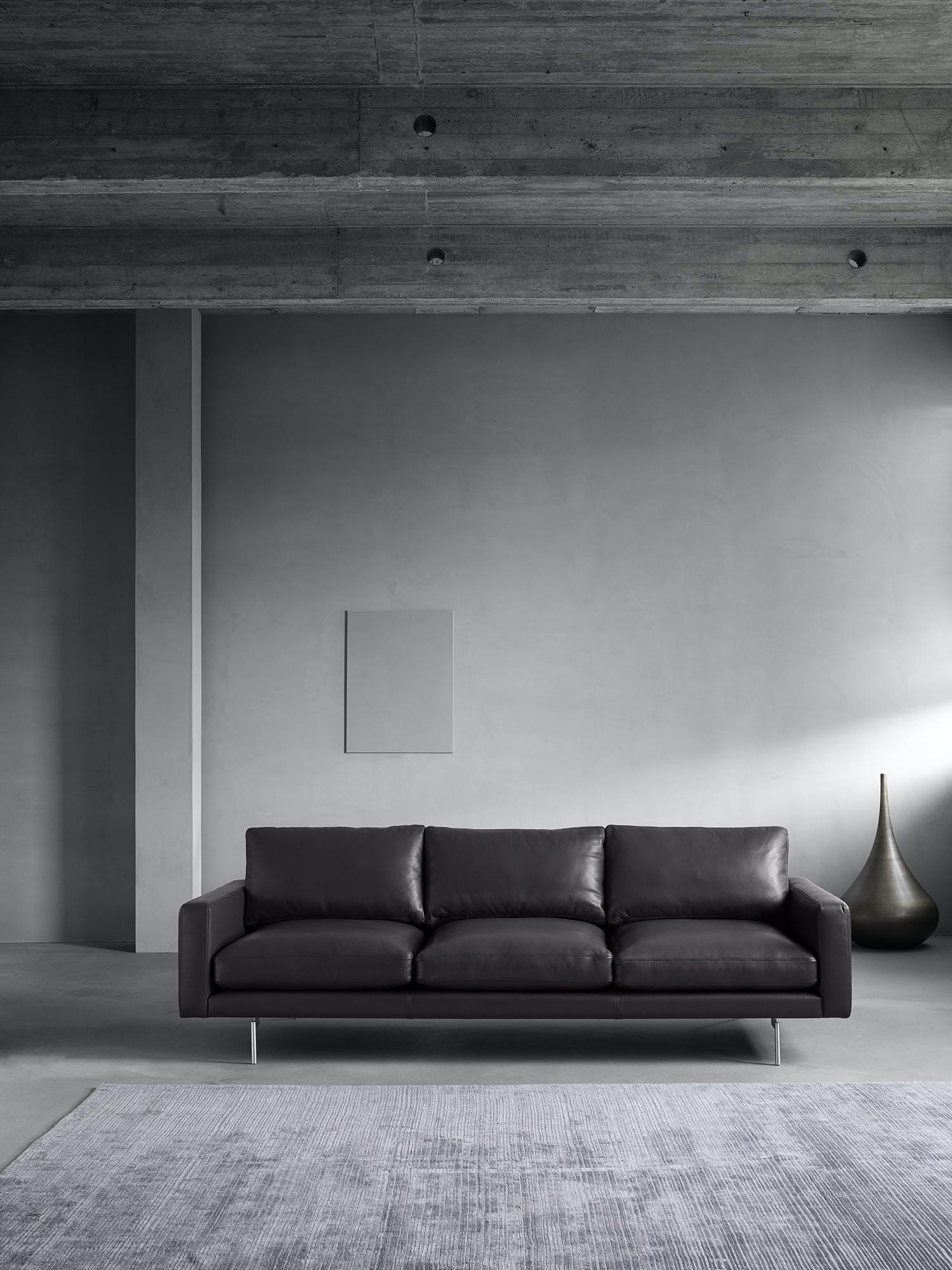 Wednelbo-front-edge1-sofa-institu-haute-living