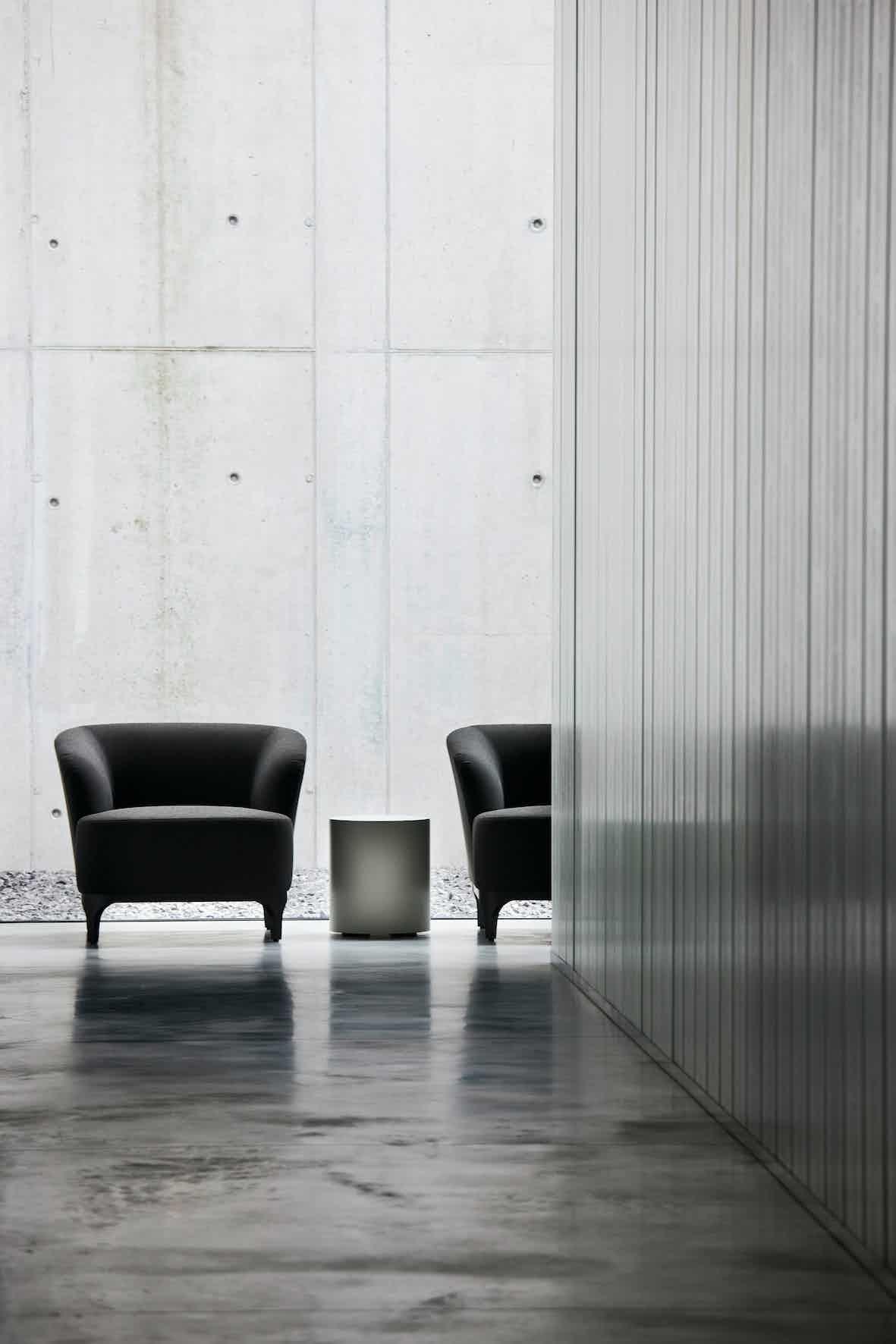Lacividina-elle-p-armchair-black-haute-living