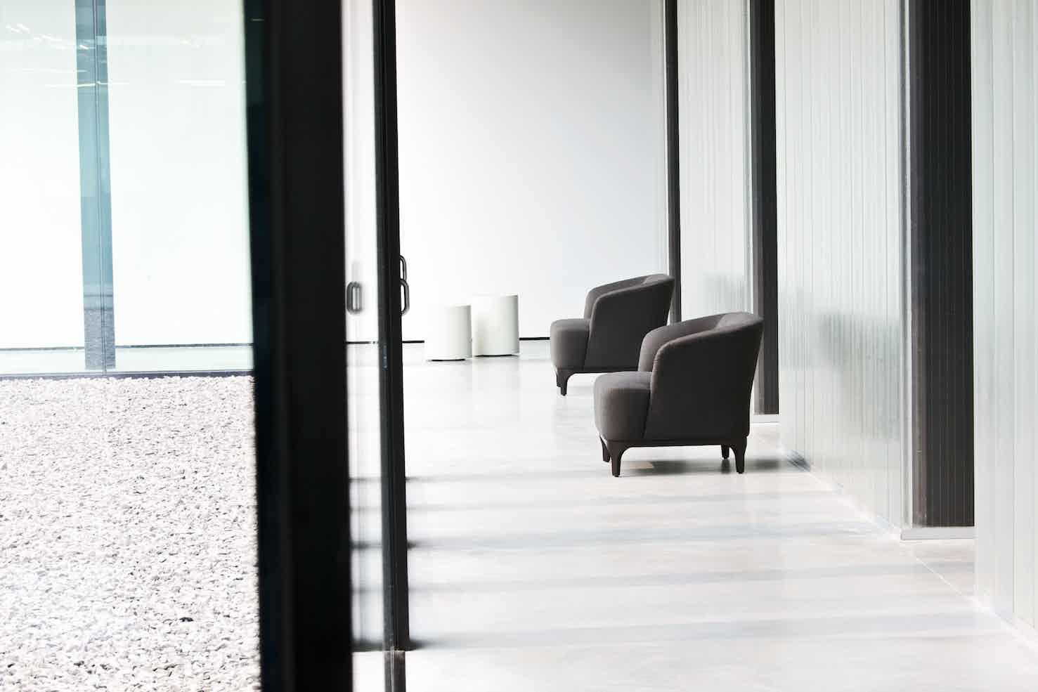 Lacividina-elle-p-armchair-two-haute-living