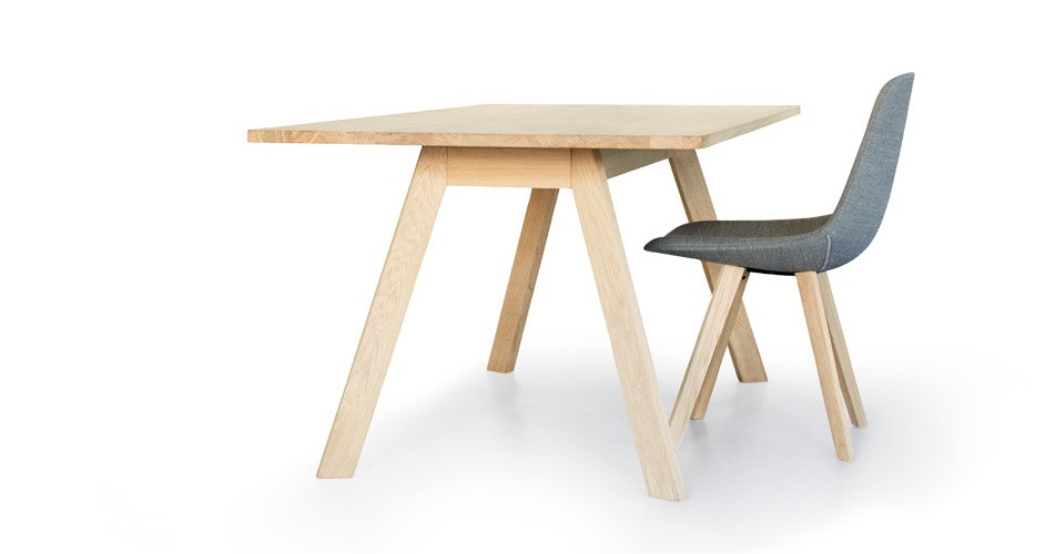 Ej 2 Eyes Wood Table Slider01