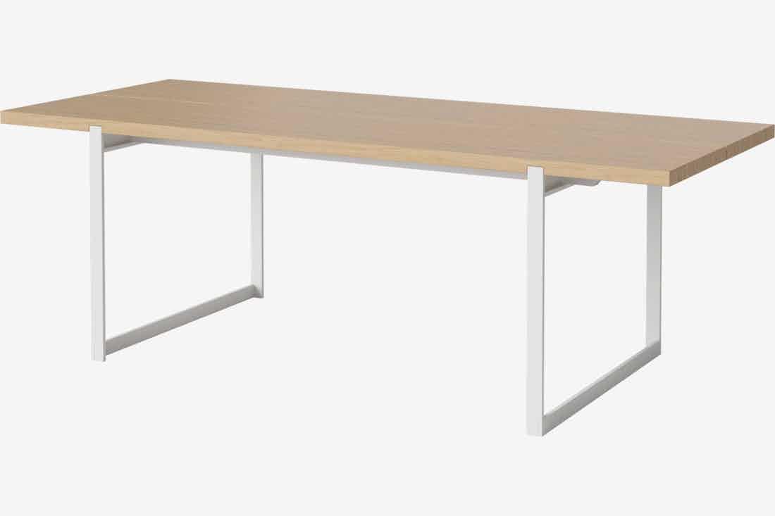 Bolia Frame Dining Table White Legs