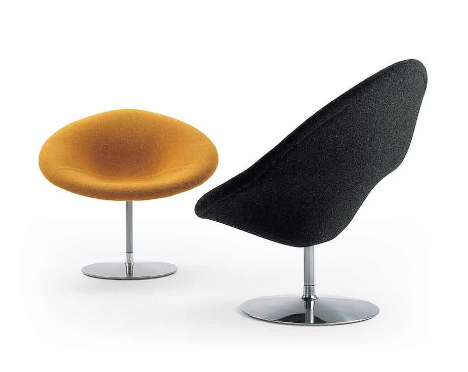 Artifort Globe Chair Pair