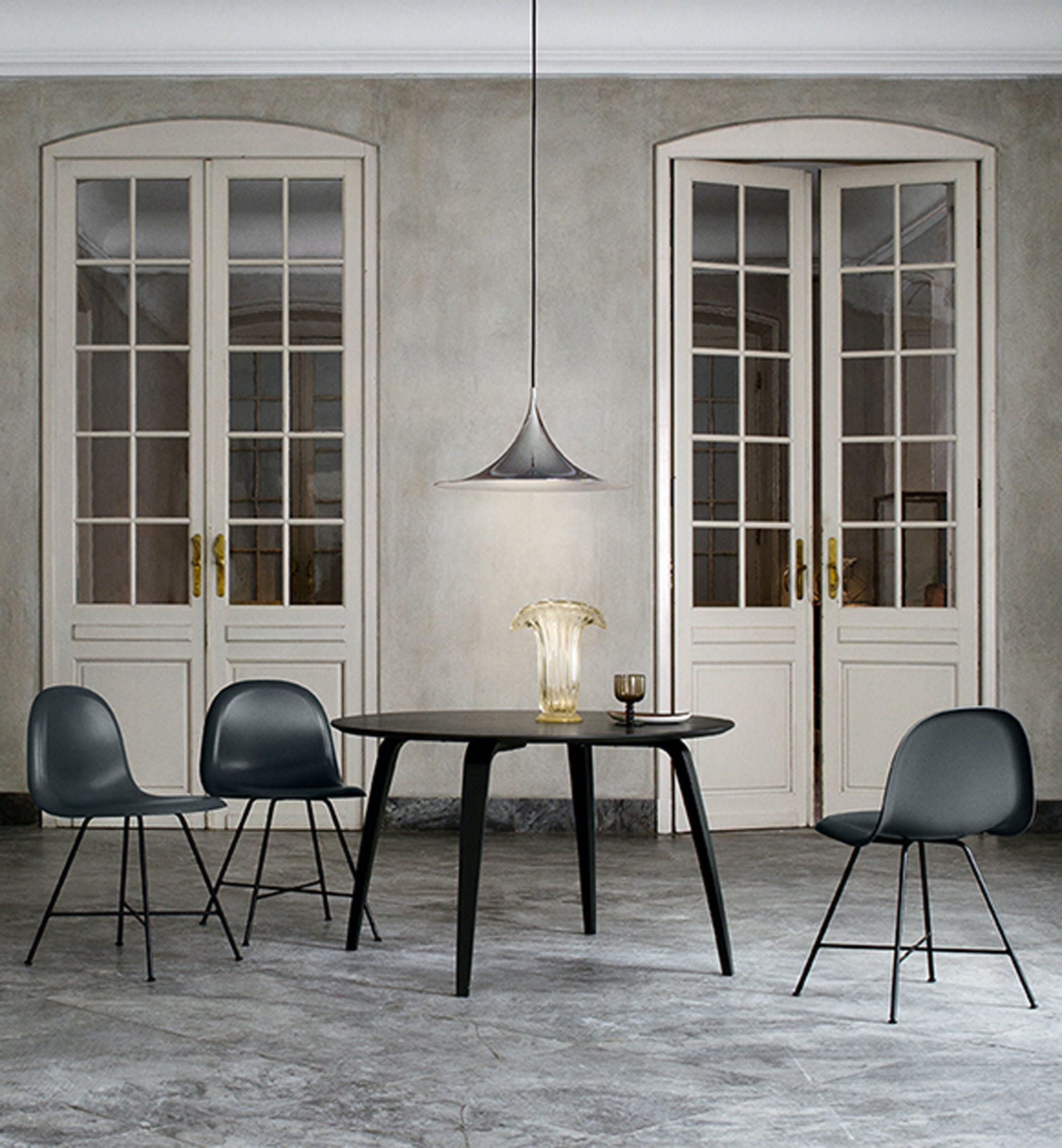 Gubi Dining Table Round Environment 1