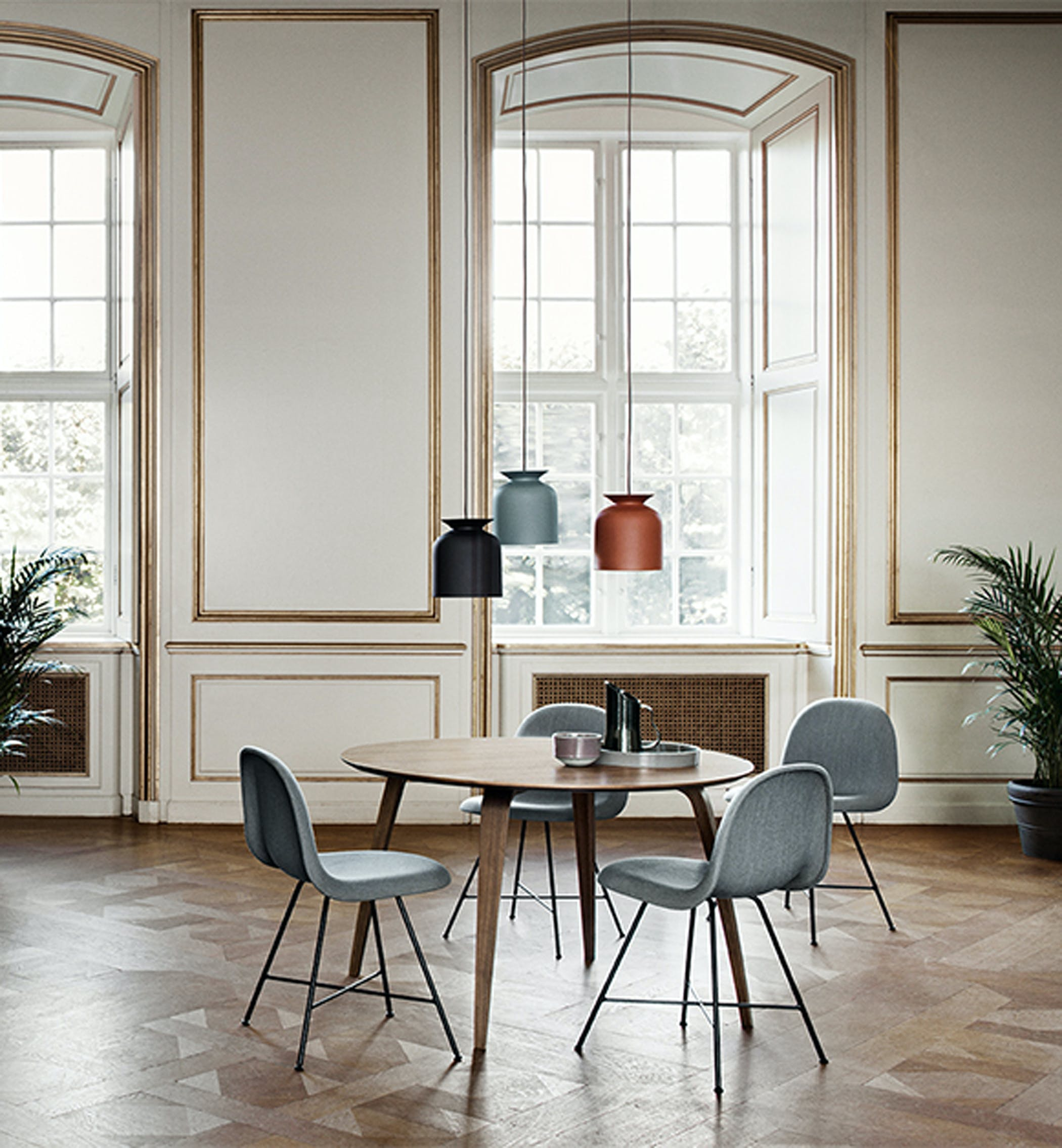 Gubi Dining Table Round Environment 2