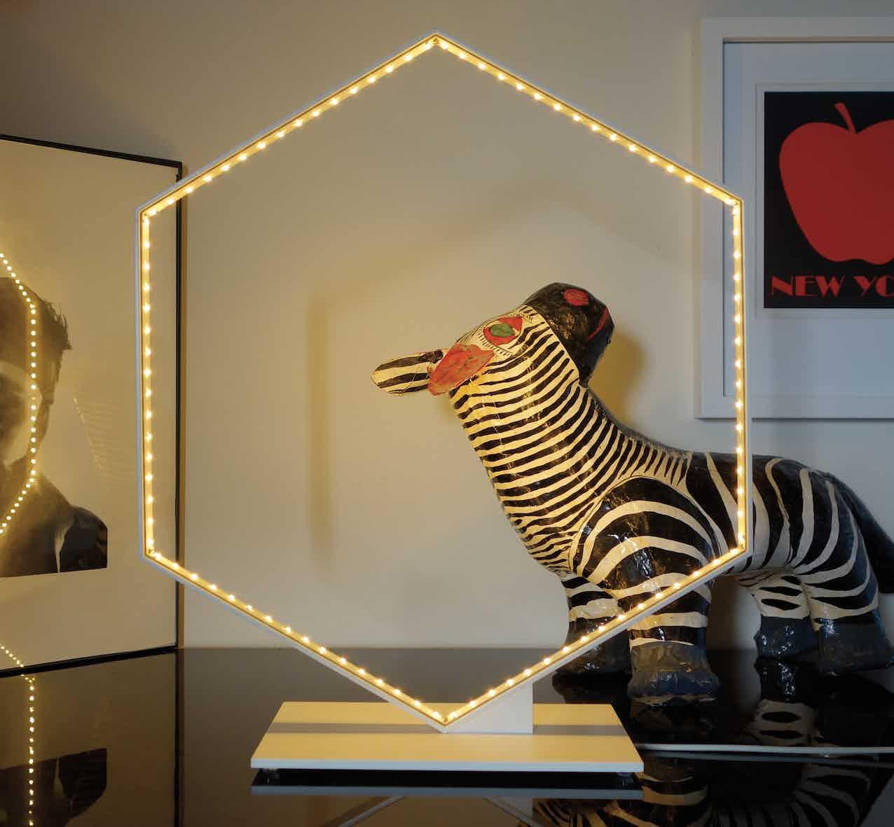 Le-deun-luminaires-hexa-table-lamp-haute-living