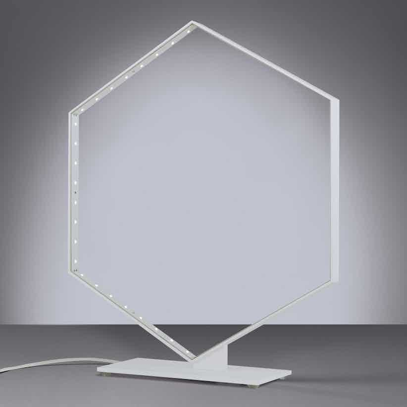 Le-deun-luminaires-hexa-table-lamp-white-haute-living_190415_220158