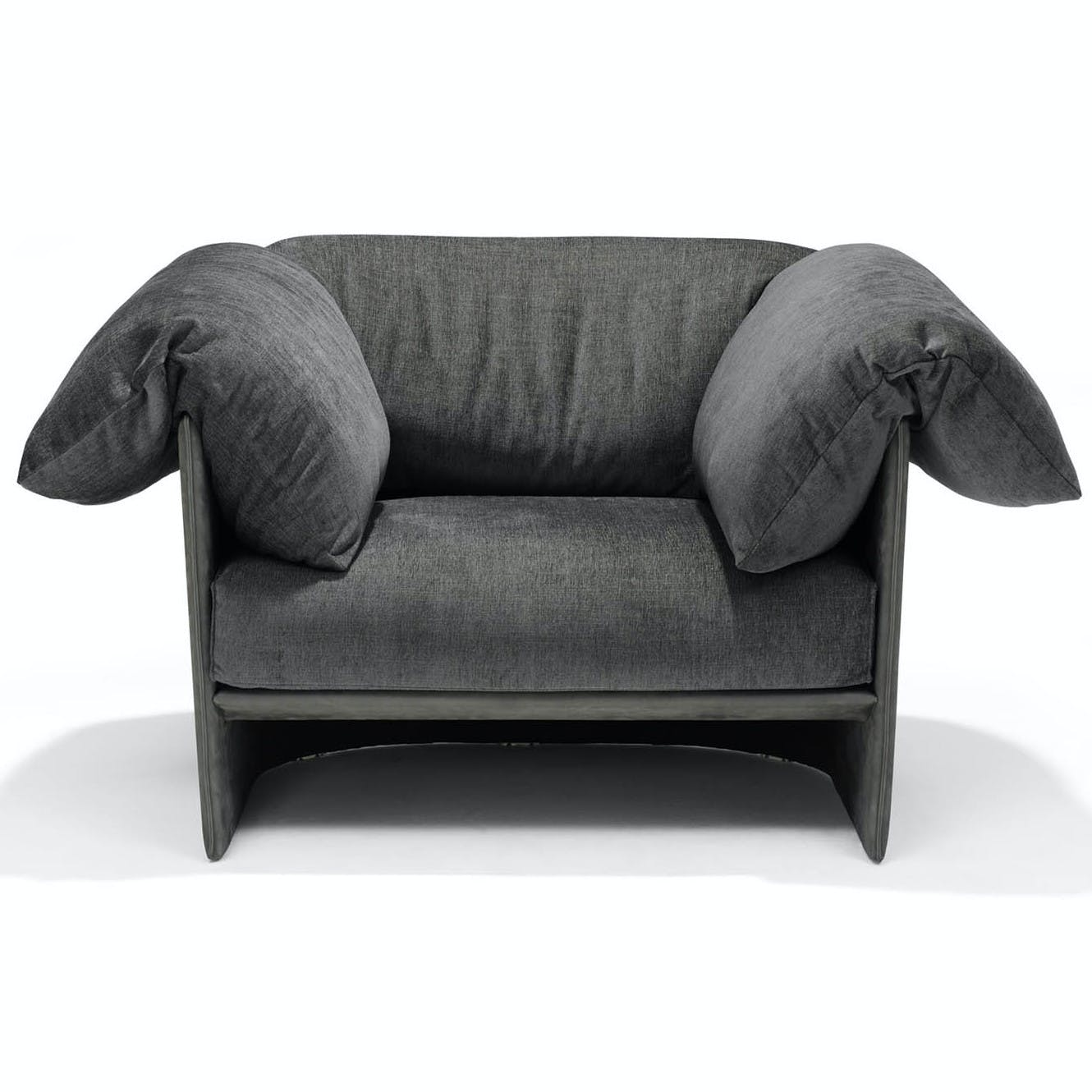 Linteloo-front-highline-armchair-haute-living