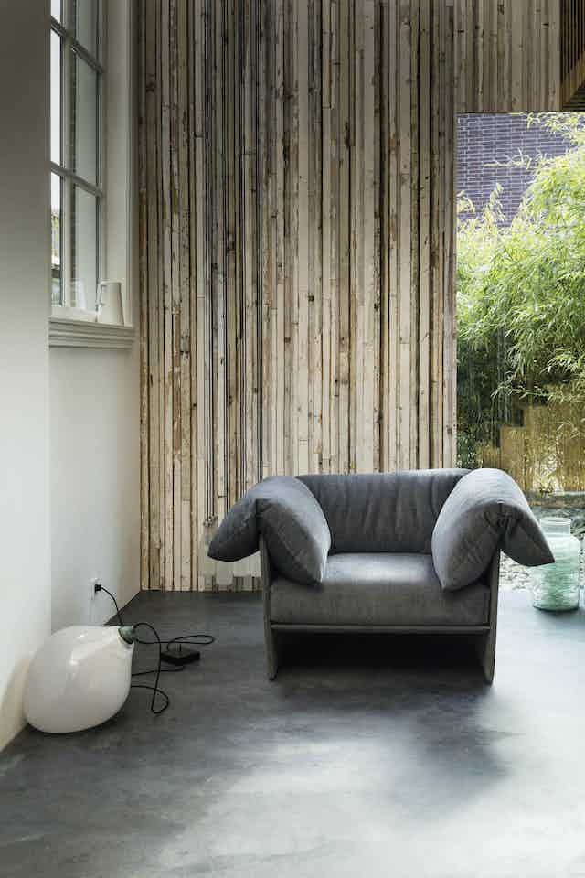 Linteloo-front-highline-armchair-institu-haute-living