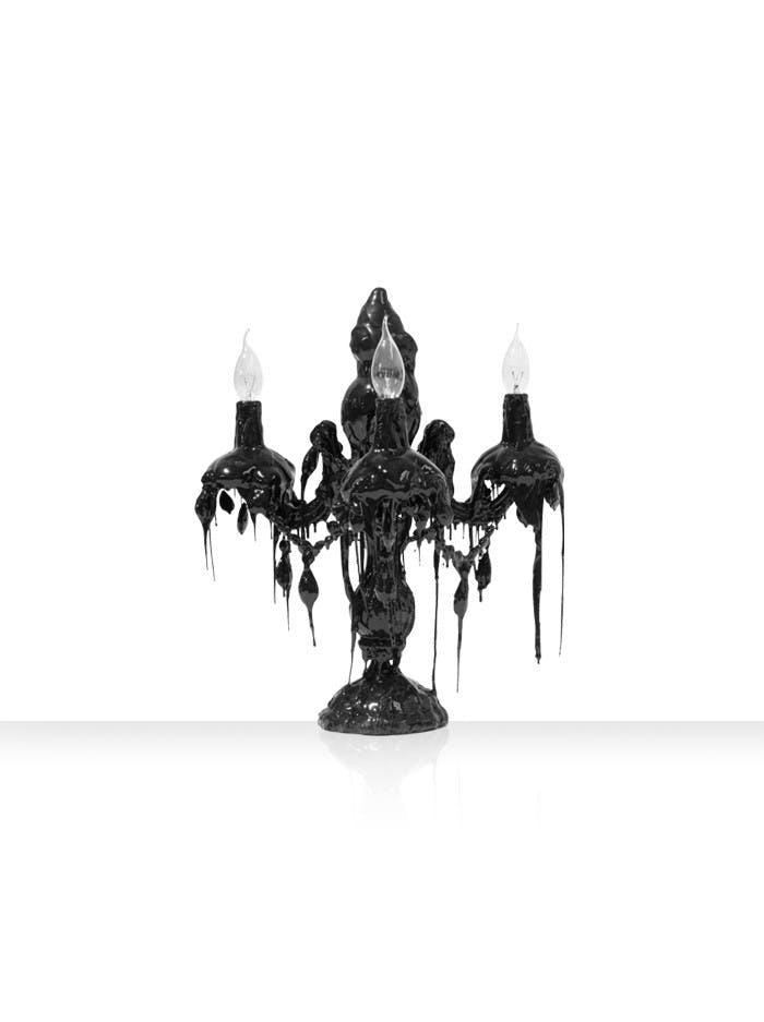 13 7520 04 Hot Kroon Table 3 Arms Zwart