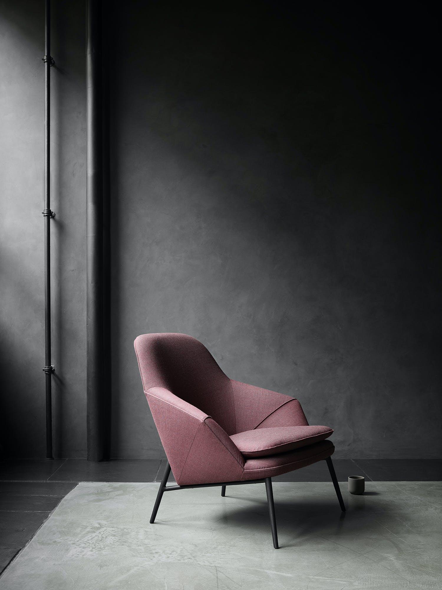 Hug Chair Side
