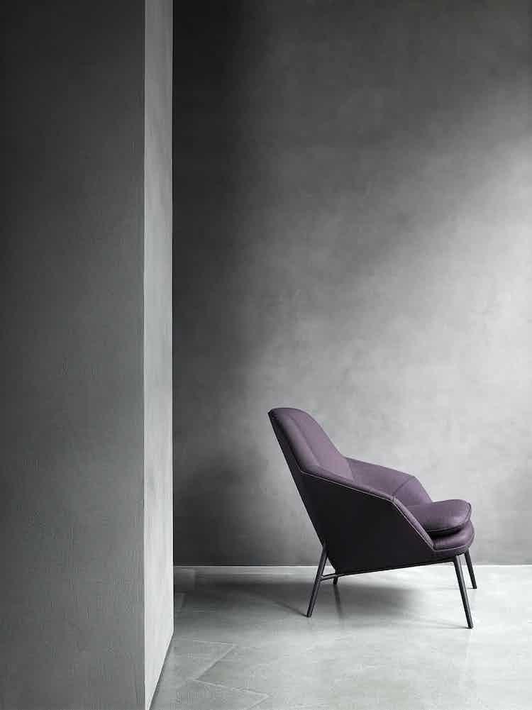 Wendelbo-side-hug-chair-institu-haute-living