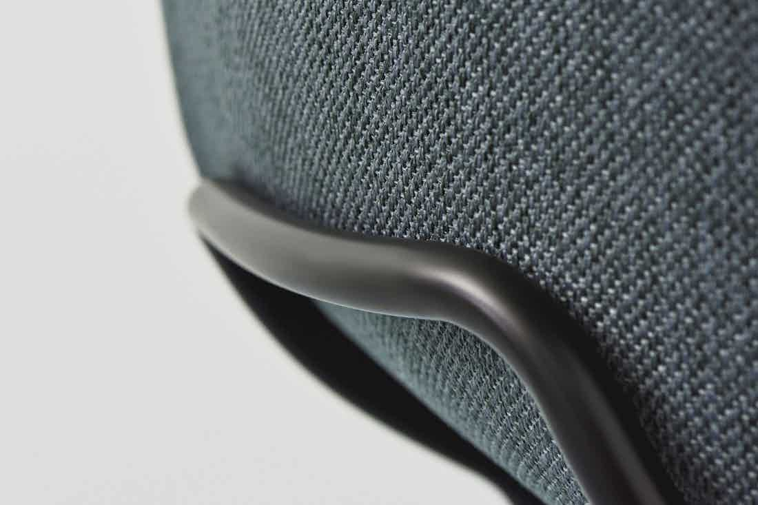 bolia hug dining chair detail haute living