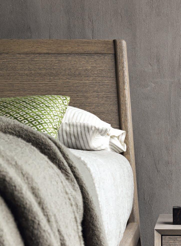 Giellesse Impronta Bed Head Wood Angle Haute Living