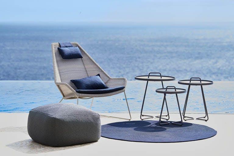 Breeze Lounge 15 F