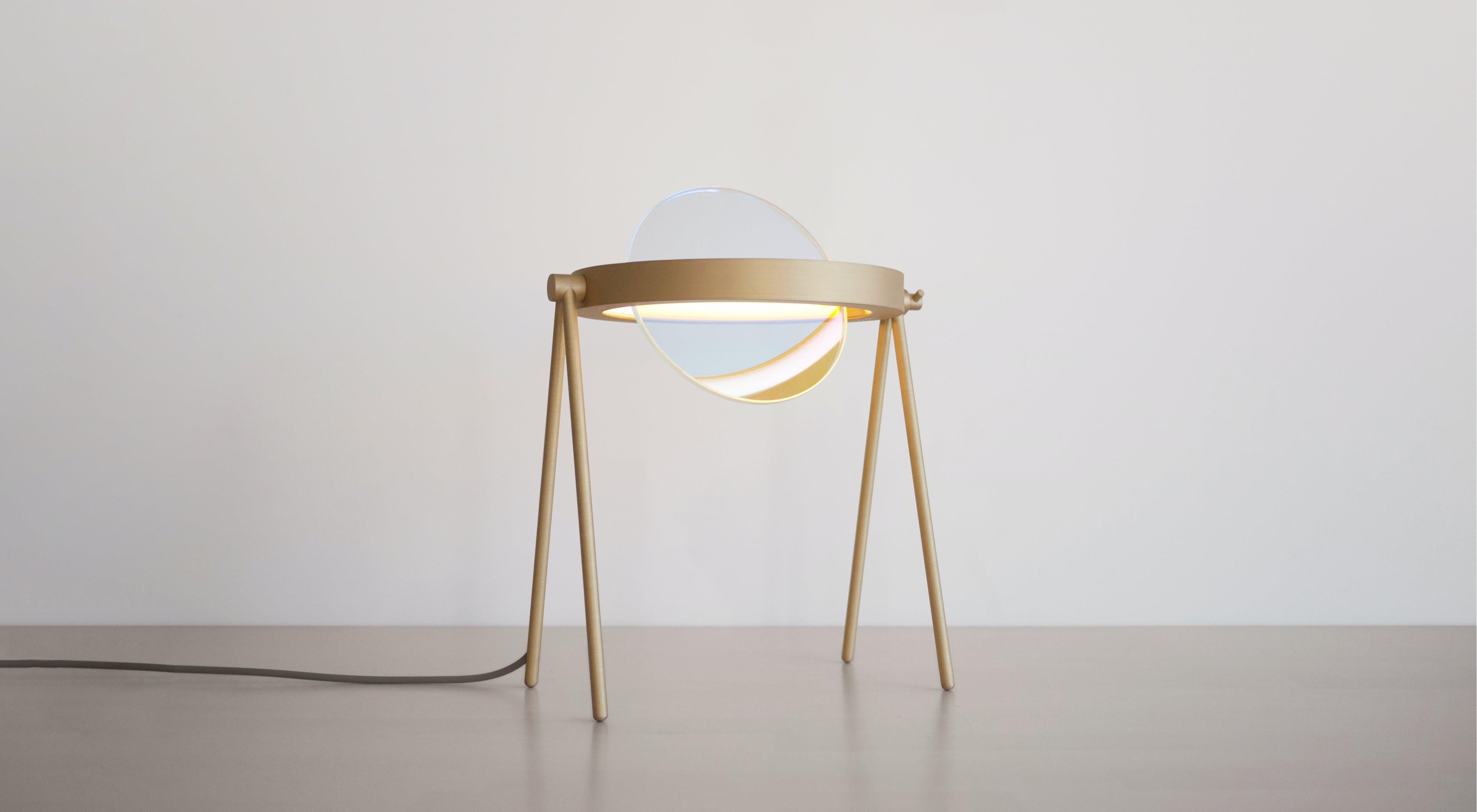 02 Janus Table Lamp Trueing