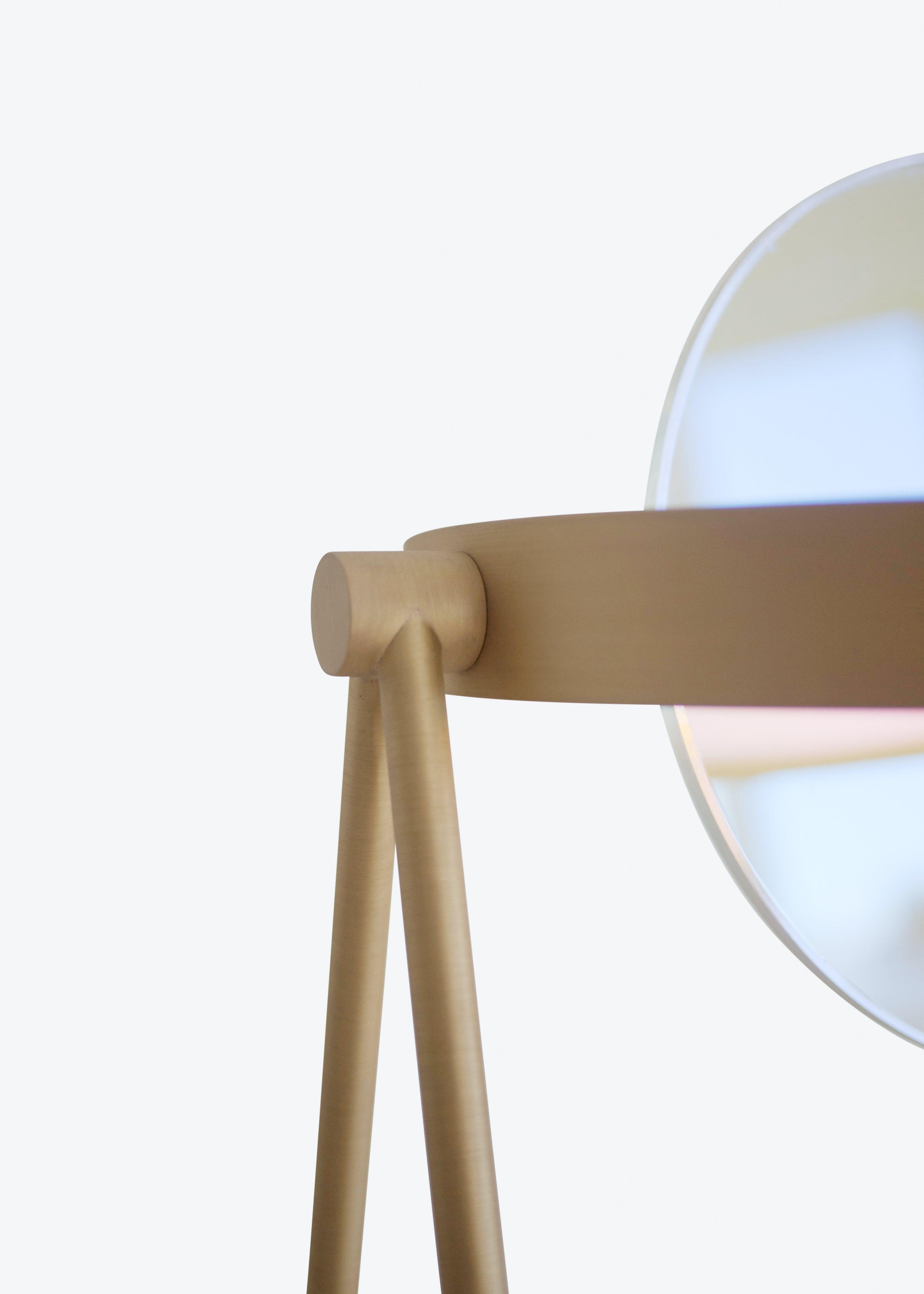 Janus Table Lamp 02 Trueing White Background Jpg