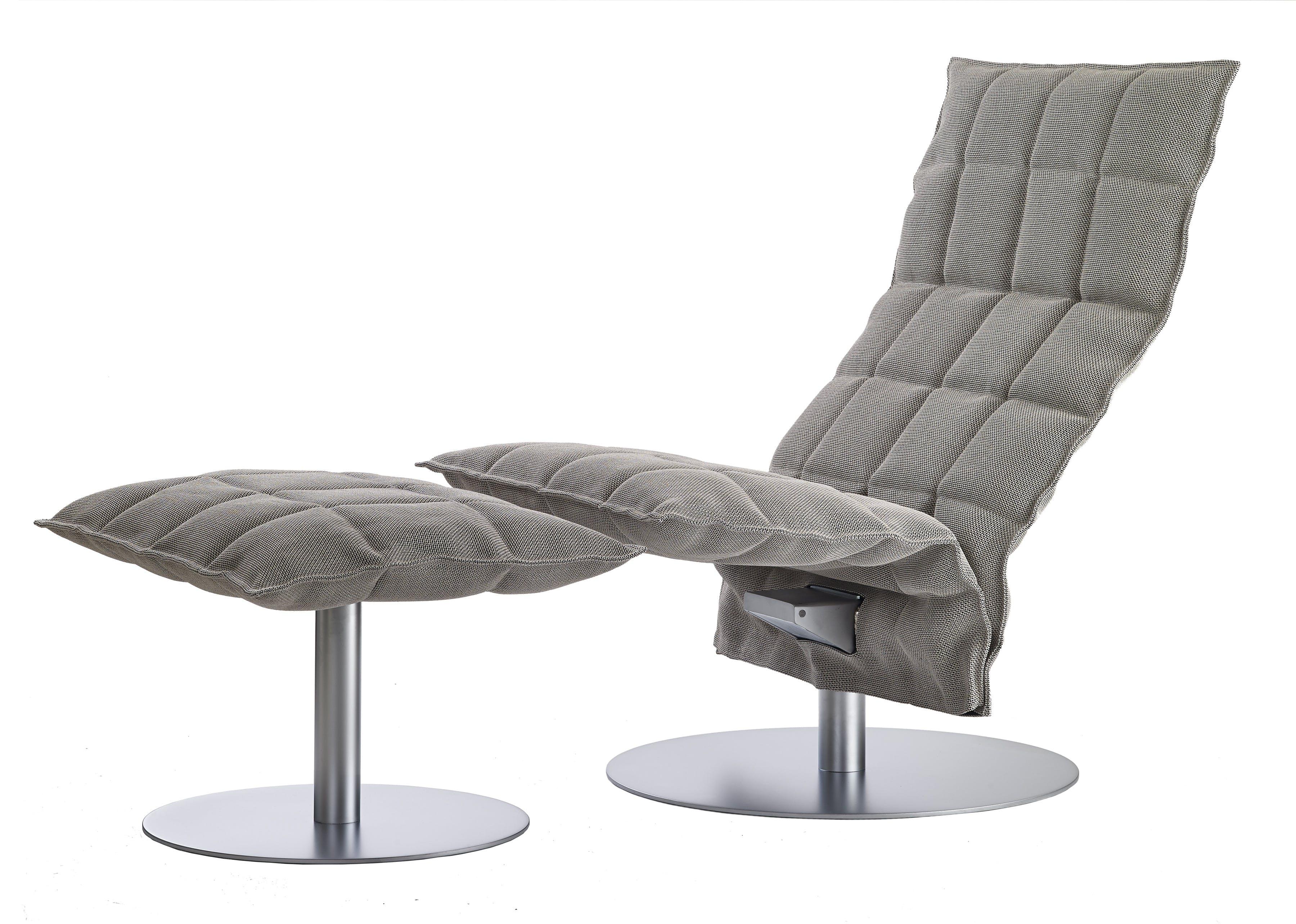 46007 Narrow Swivel K Chair With 46017 Narrow K Ottoman With Plate
