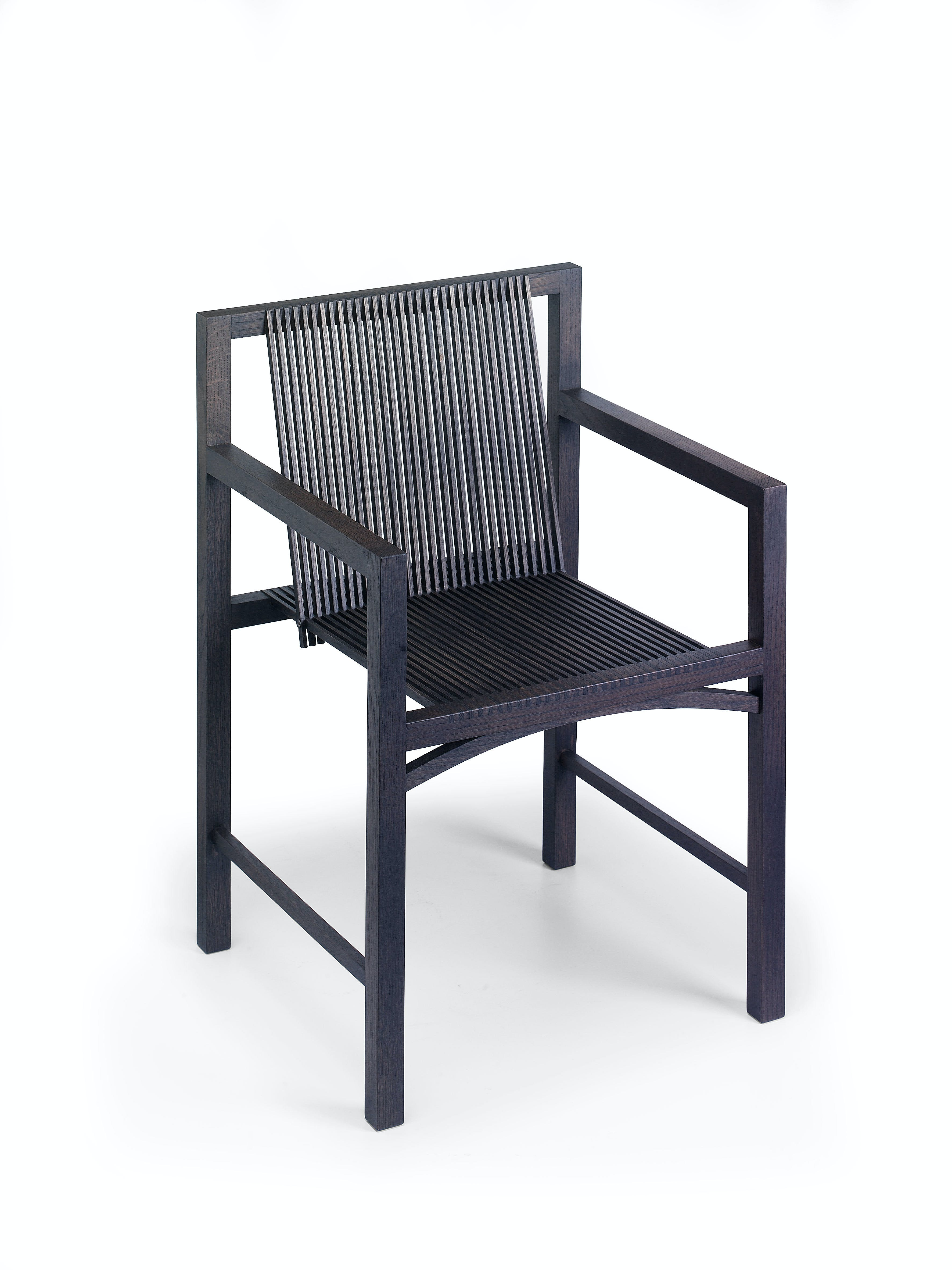 9 Kokke Chair W Arms Black Front Corner