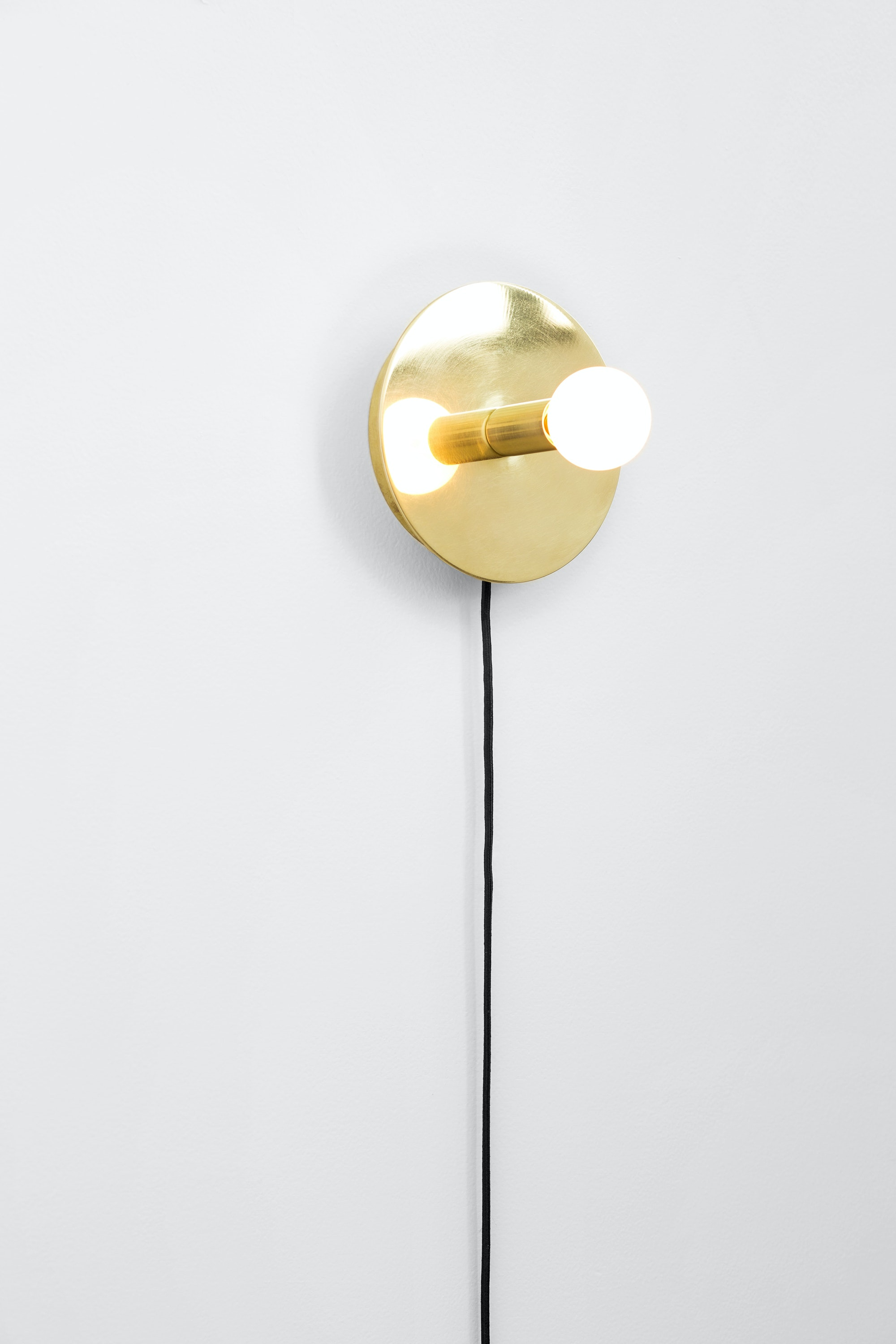 Dot Wall Lamp 1