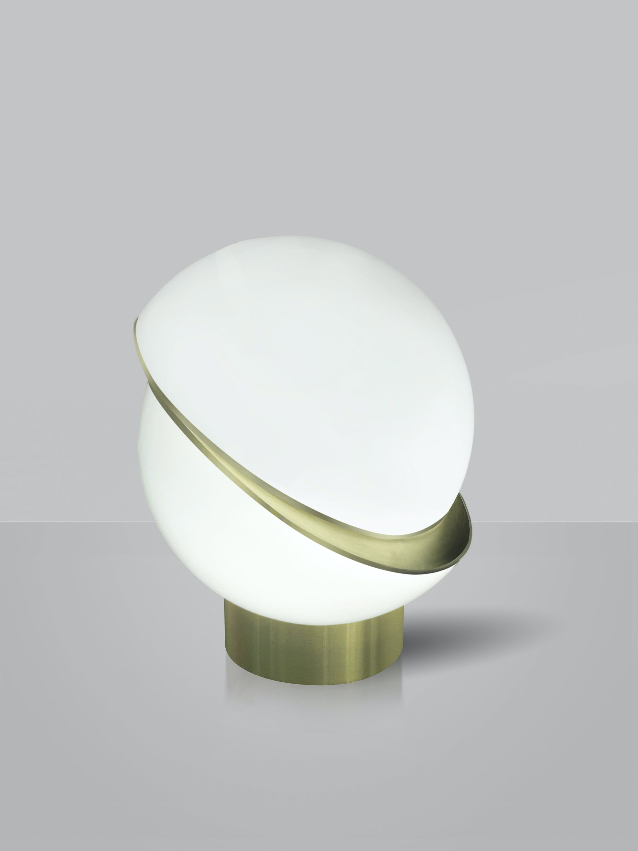 Crescent Table Lamp White Background 01