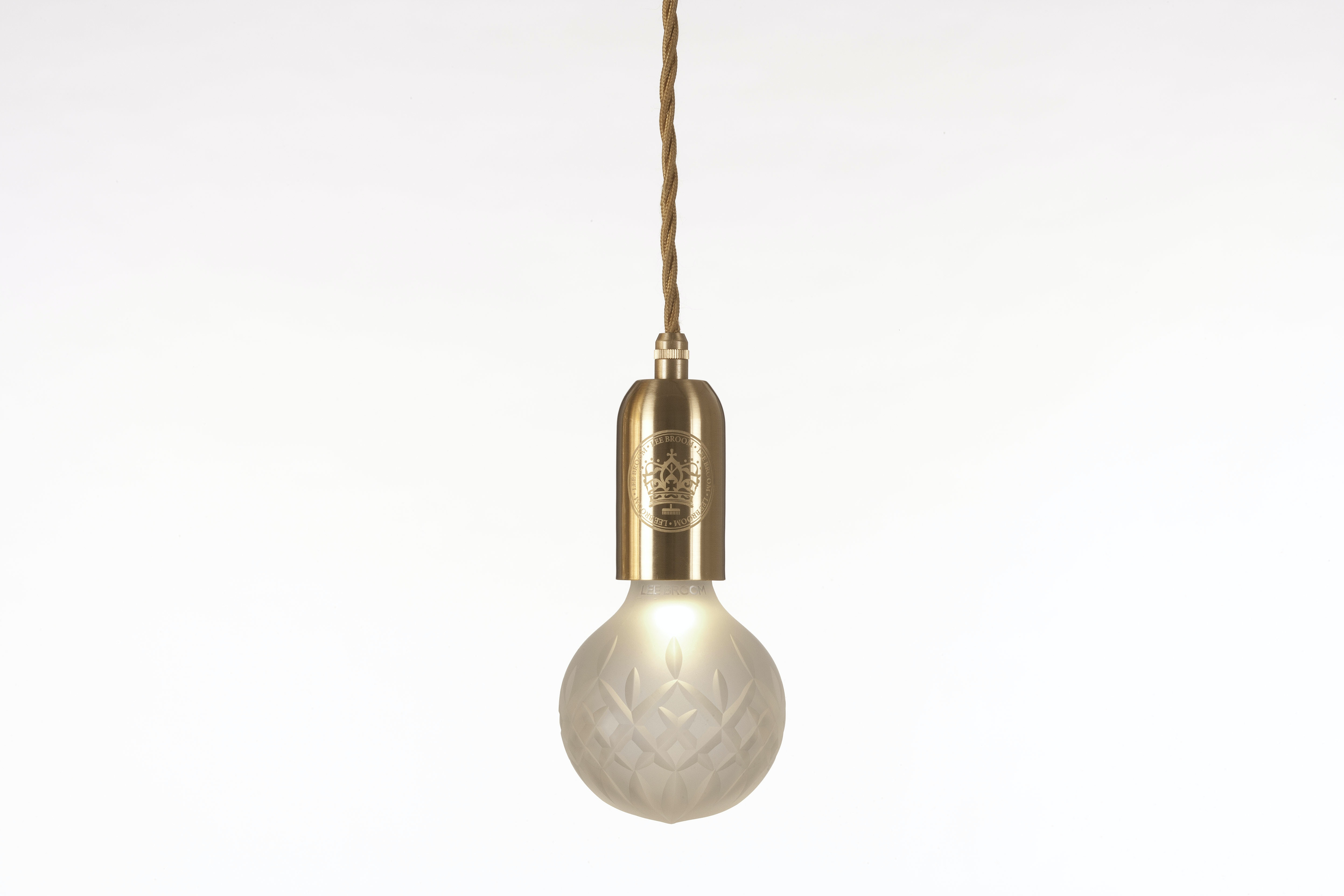 Lee Broom Crystal Bulb And Pendant Frosted 1
