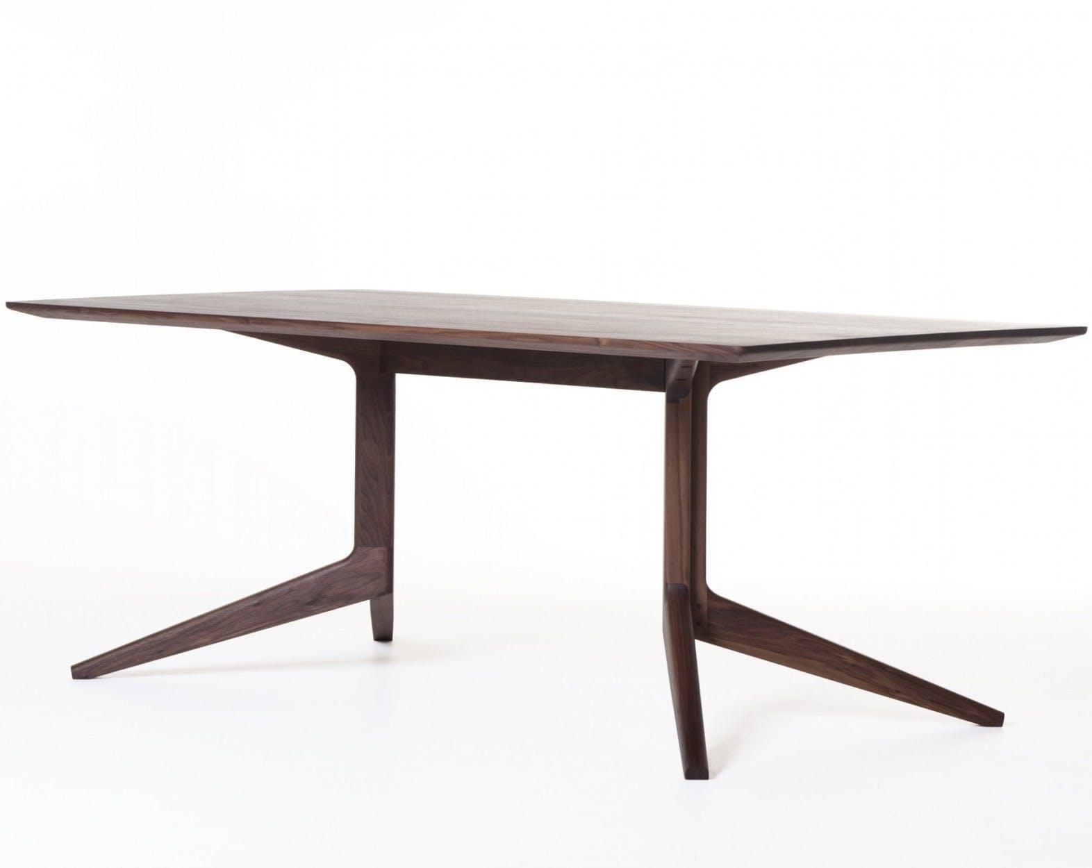 393 Light Fixed Table Walnut 2Web 1840X1250