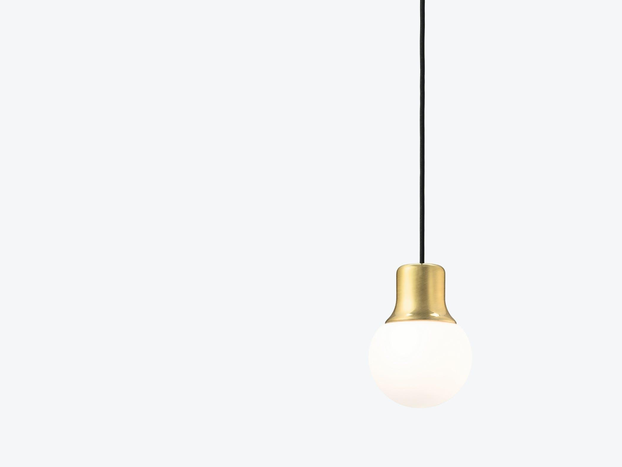 Mass Light Na5 Brass