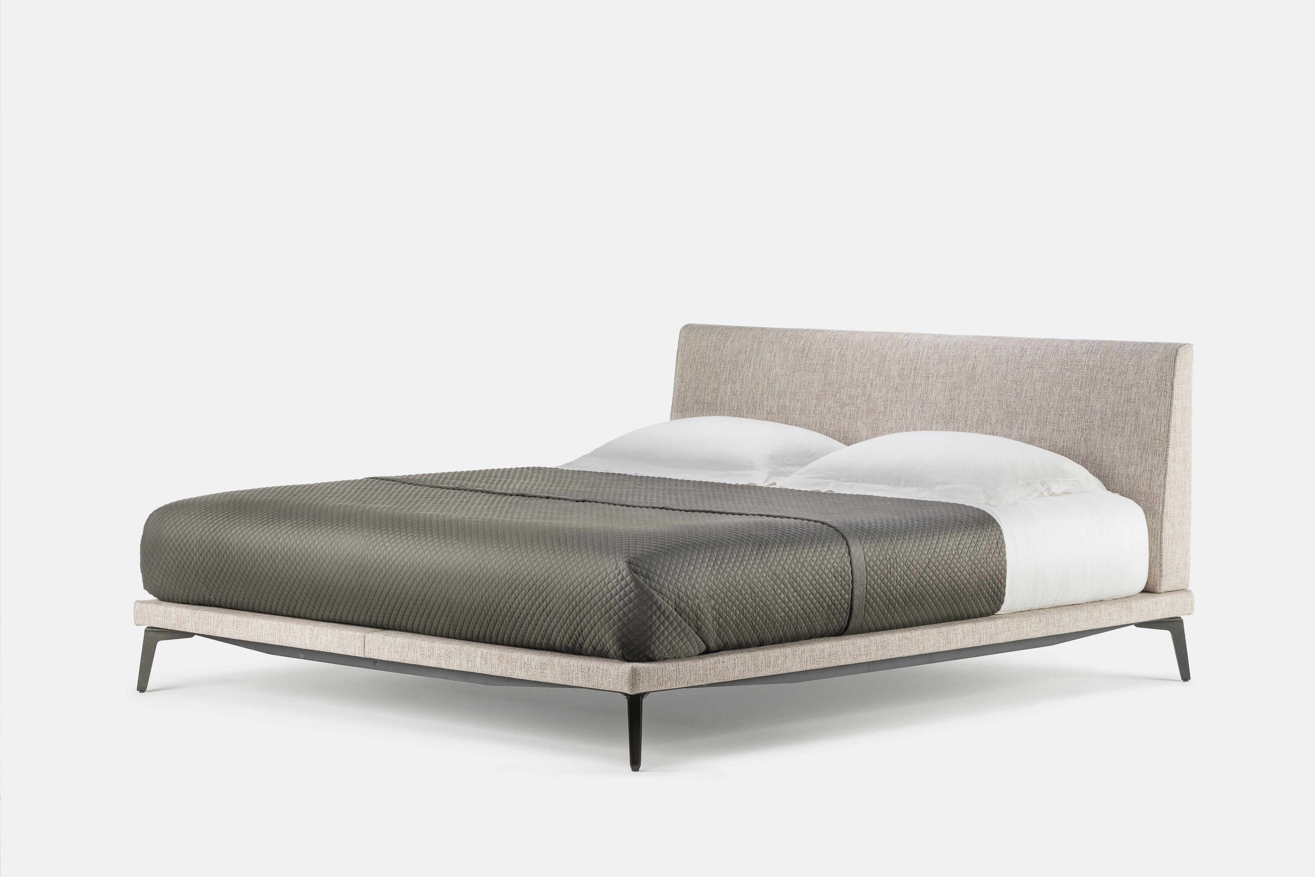 400 Mc Queen Bed By Matthew Hilton 1
