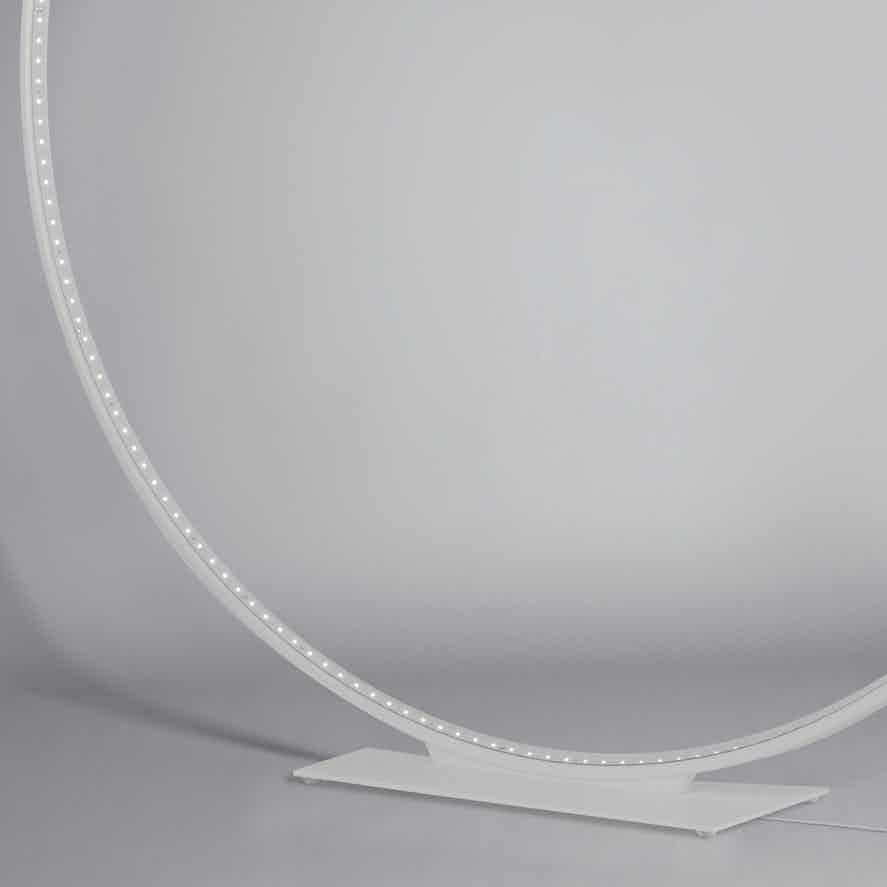 Le-deun-luminaires-mega-table-lamp-white-detail-haute-living