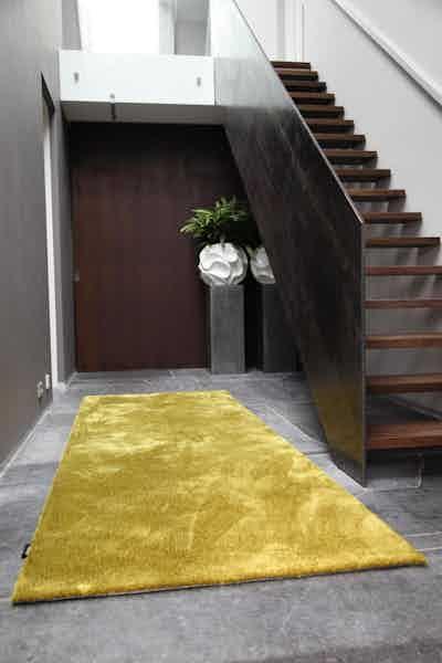 Carpet-sign-metropolis-uni-yellow-runner-insitu-haute-living