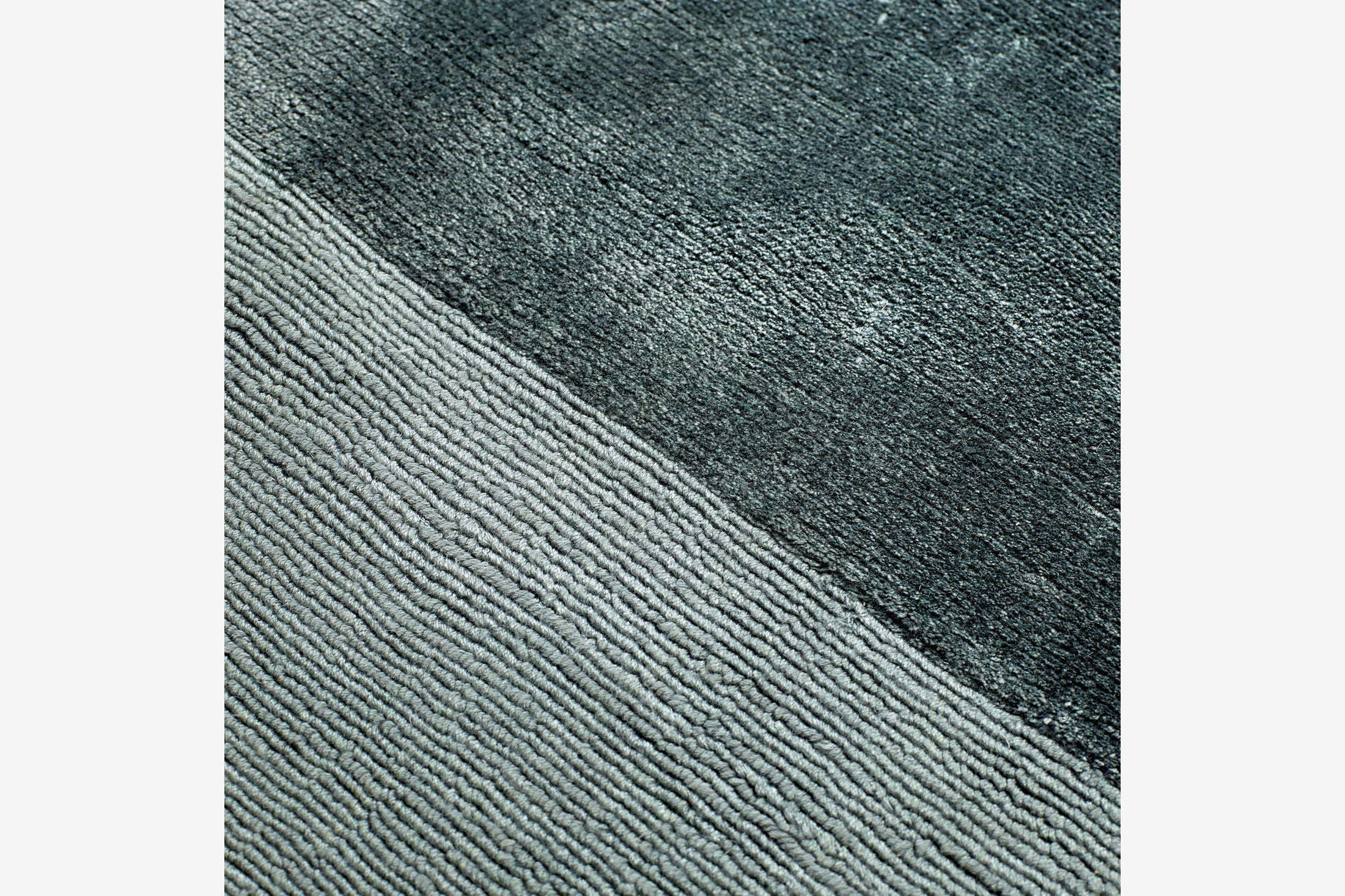 Bolia-mezzo-rug-light-aqua-detail-haute-living
