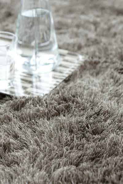 Carpet-sign-mistral-detail-haute-living
