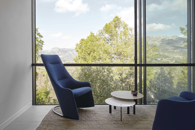Viccarbe-blue-nagi-armchair-institu-haute-living