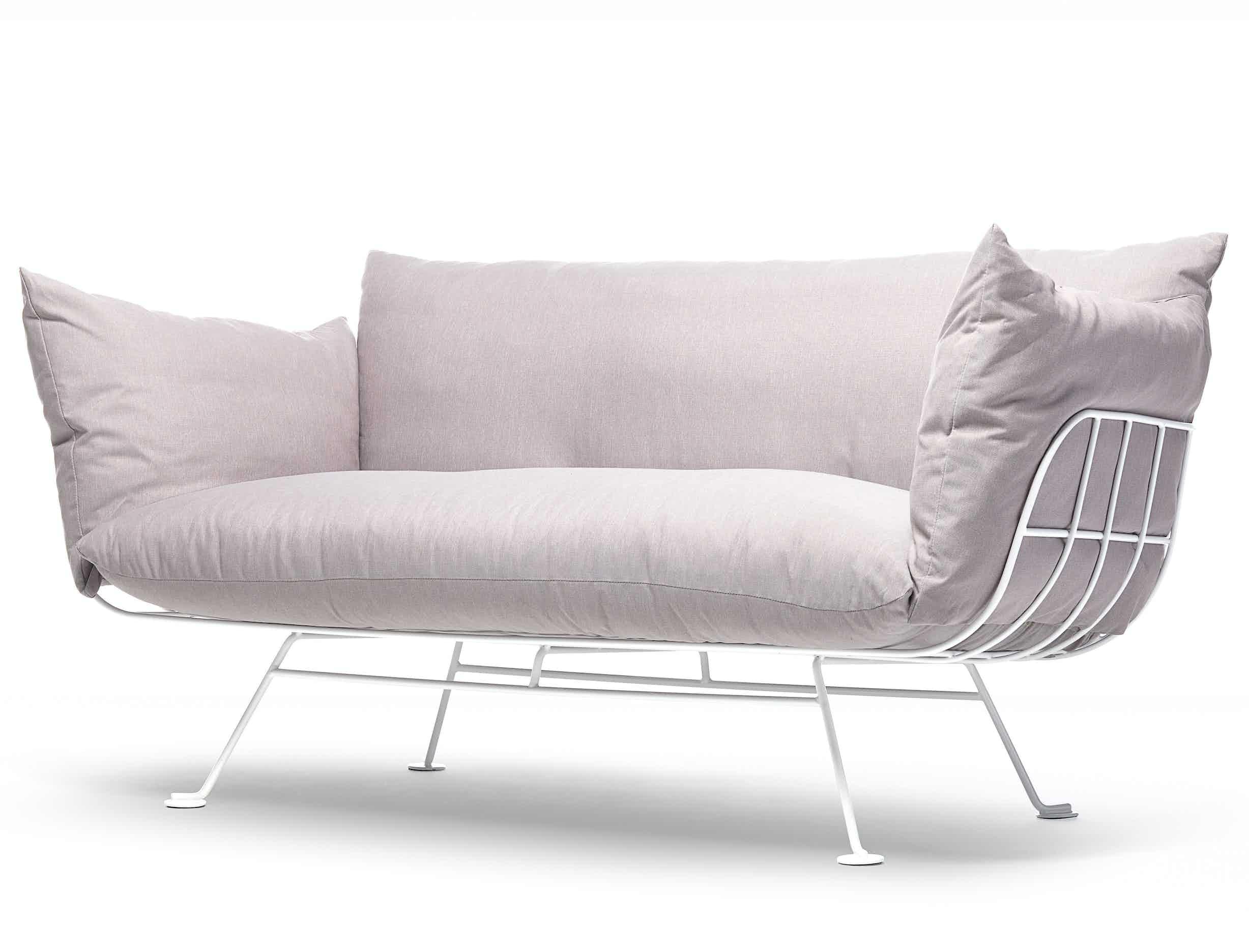 Moooi nest sofa pink haute living