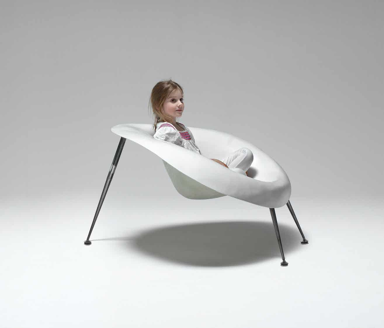 Imperfetto-lab-nido-chair-insitu-haute-living