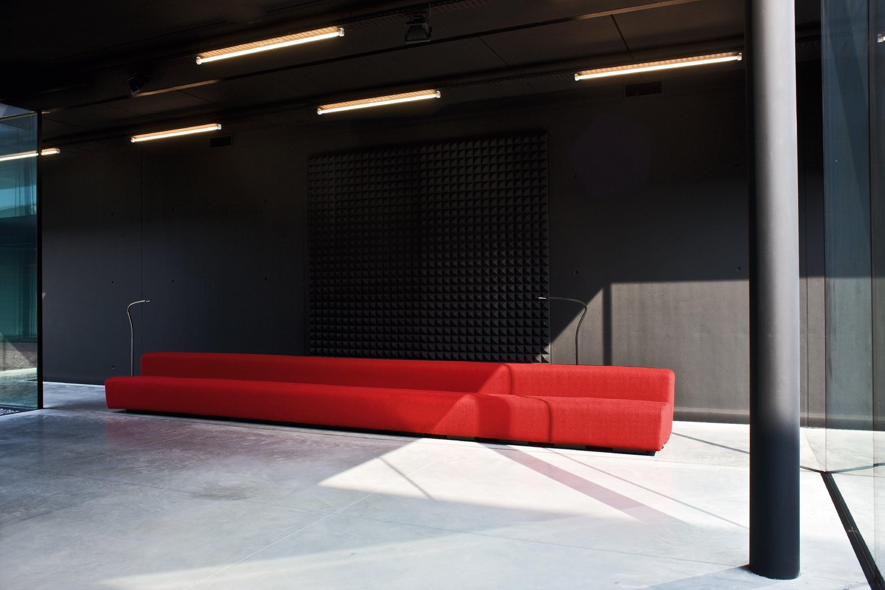 Lacividina-osaka-sofa-red-angle-haute-living