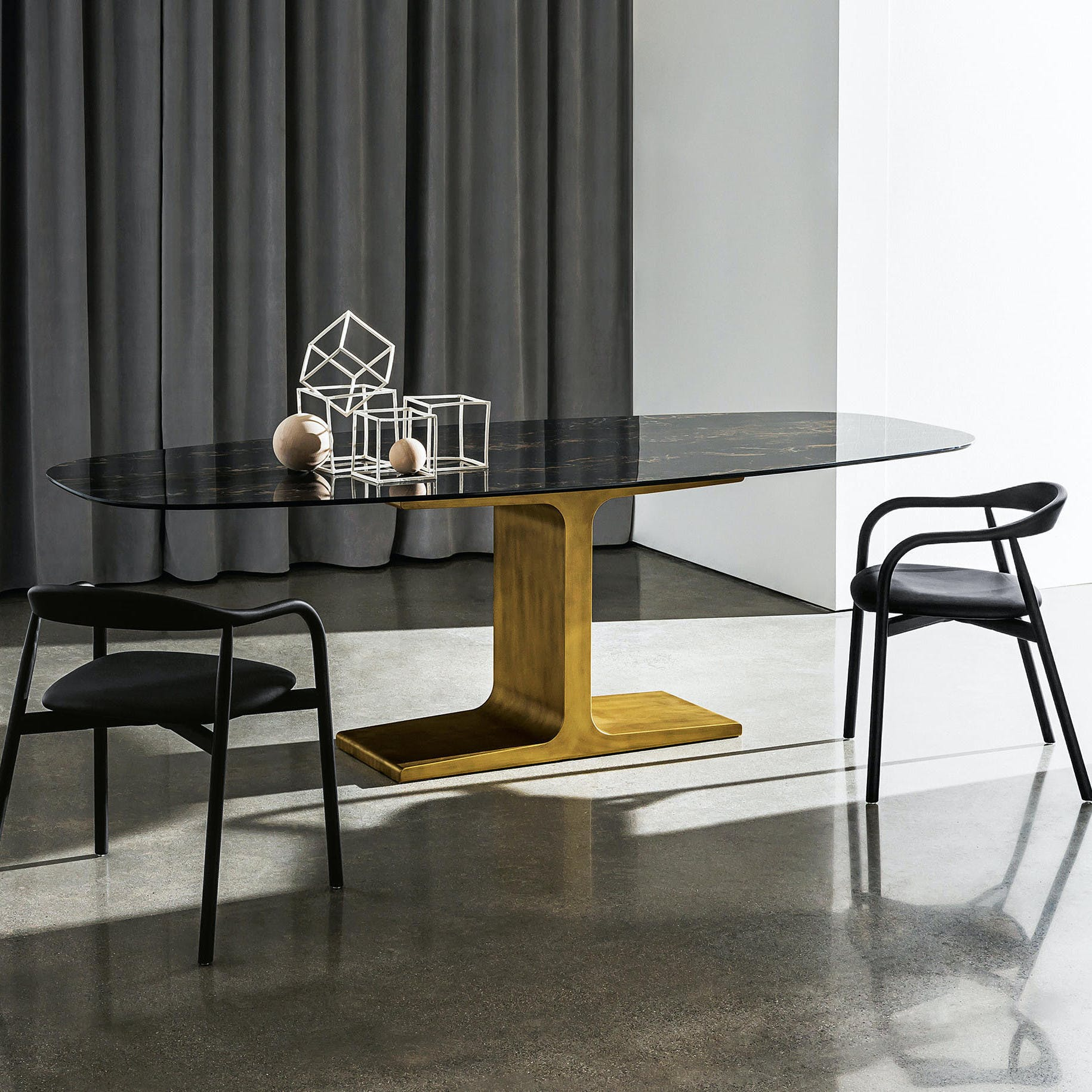 Sovet-palace-dining-table-insitu-haute-living