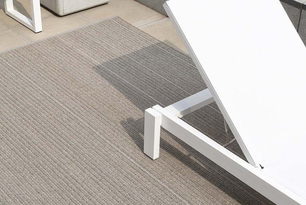 820 Patio Moon Silver Sfeerbeeld Limited Edition Carpets
