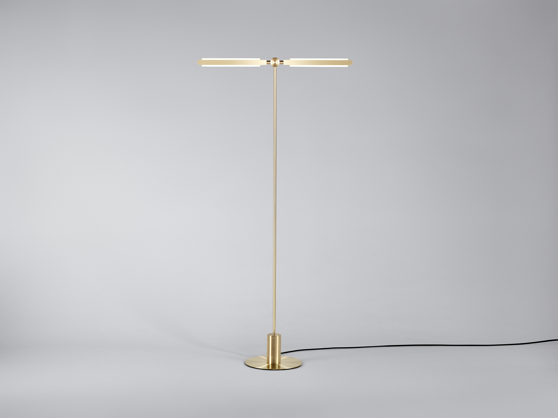 01 Pris T Floor Lamp Satin Brass