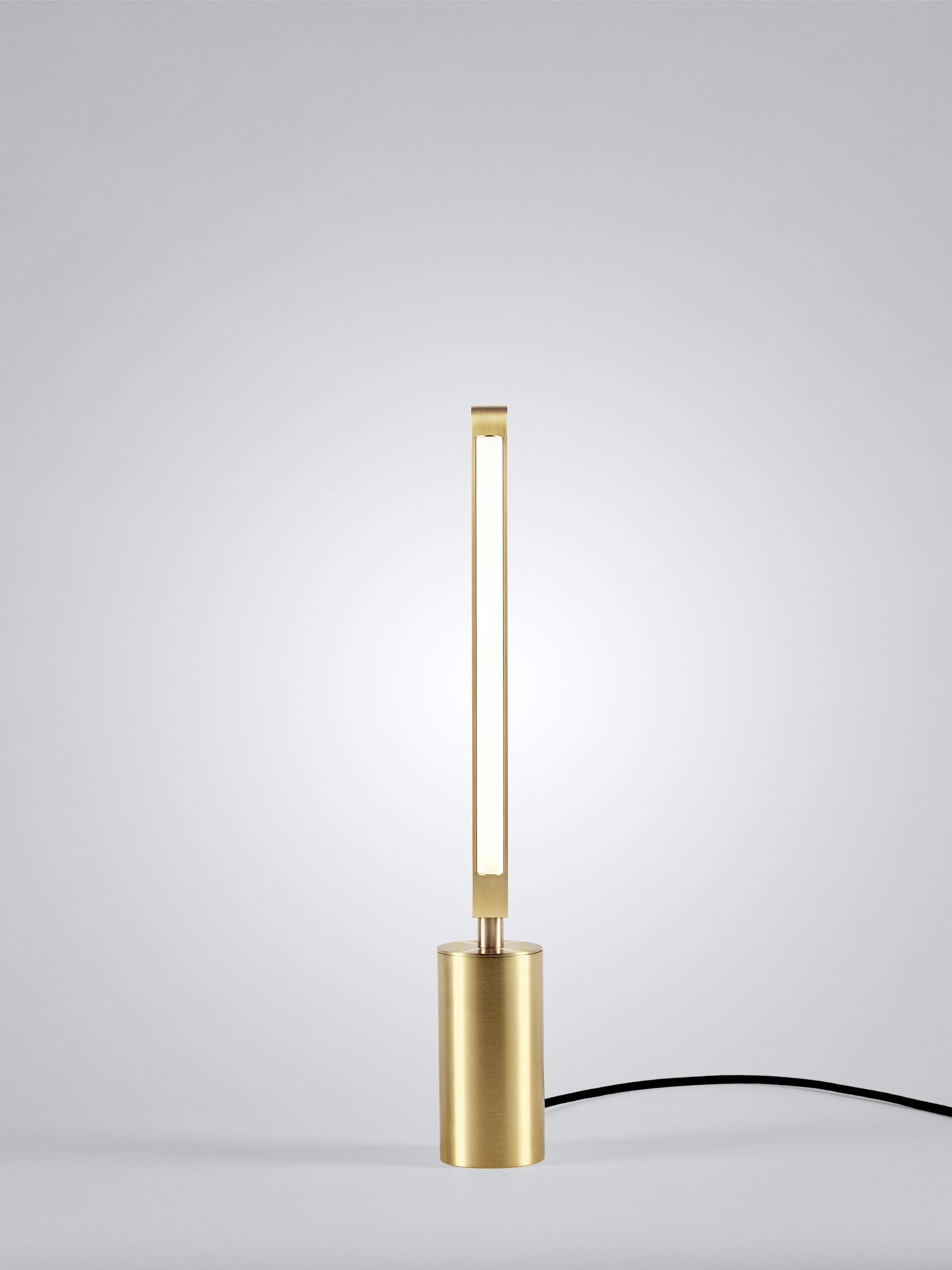 01 Pris Table Lamp Satin Brass