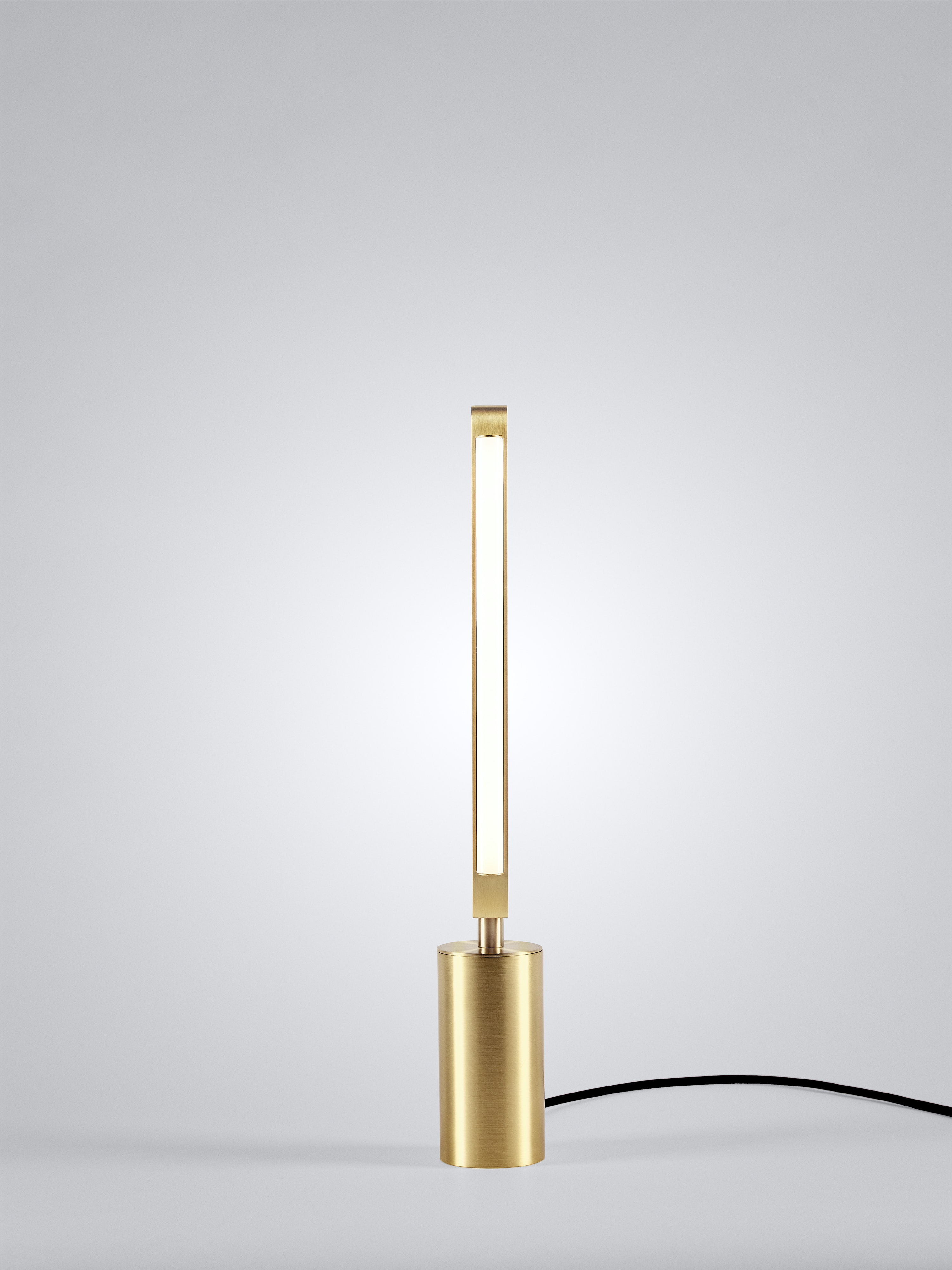 01 Pris Table Lamp Satin Brass