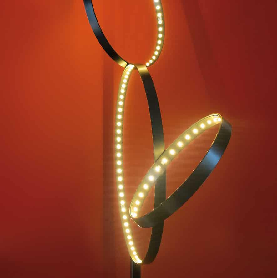 Le-deun-luminaires-pico-5-floor-lamp-red-detail-haute-living