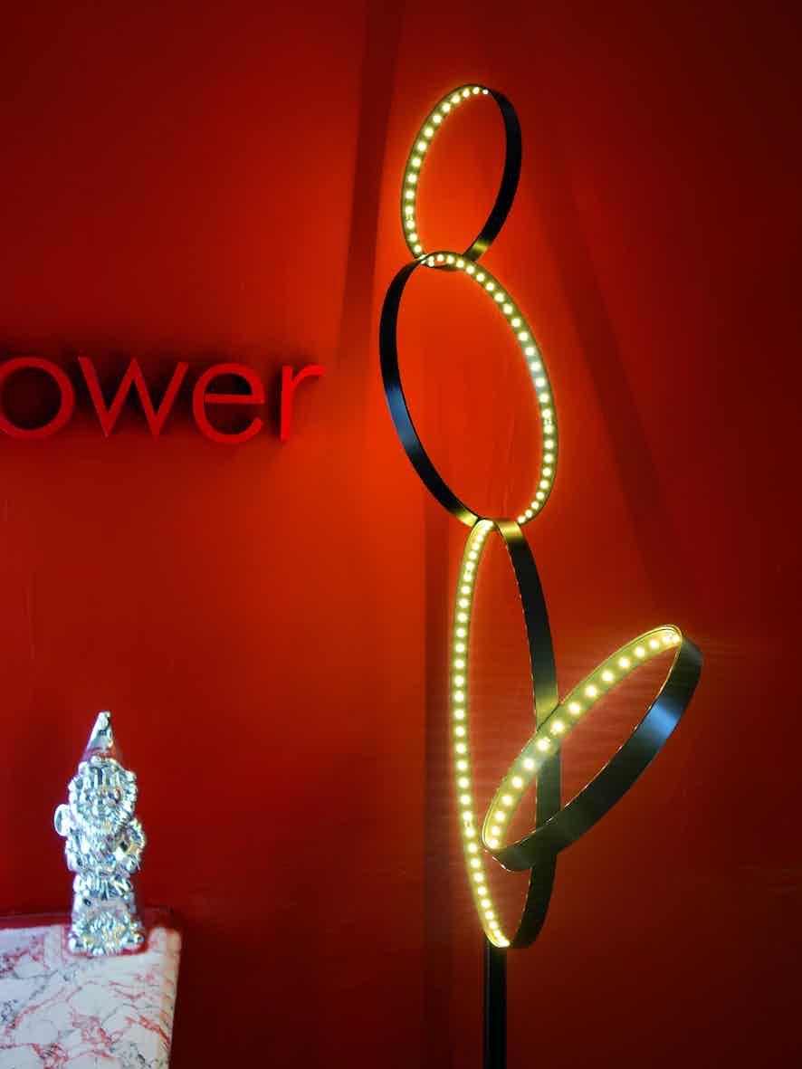 Le-deun-luminaires-pico-5-red-wall-haute-living